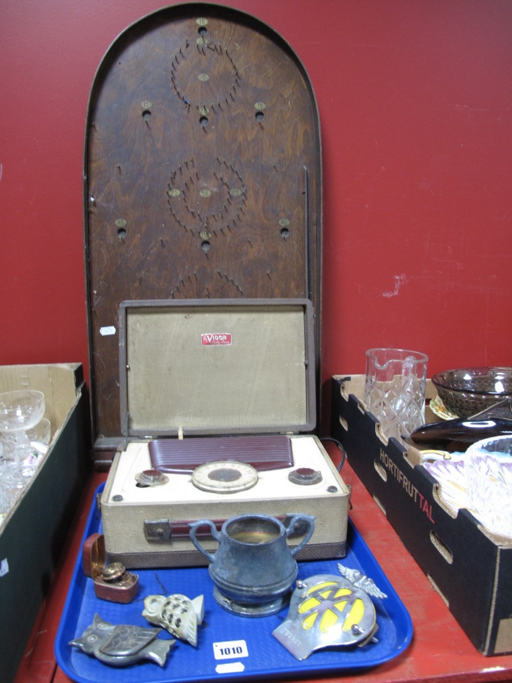 Lot 1010 - A Mid XX Century Pinnacle Wooden Bagatelle, vintage Vidor 'Lady Anne' cased radio, AA badge