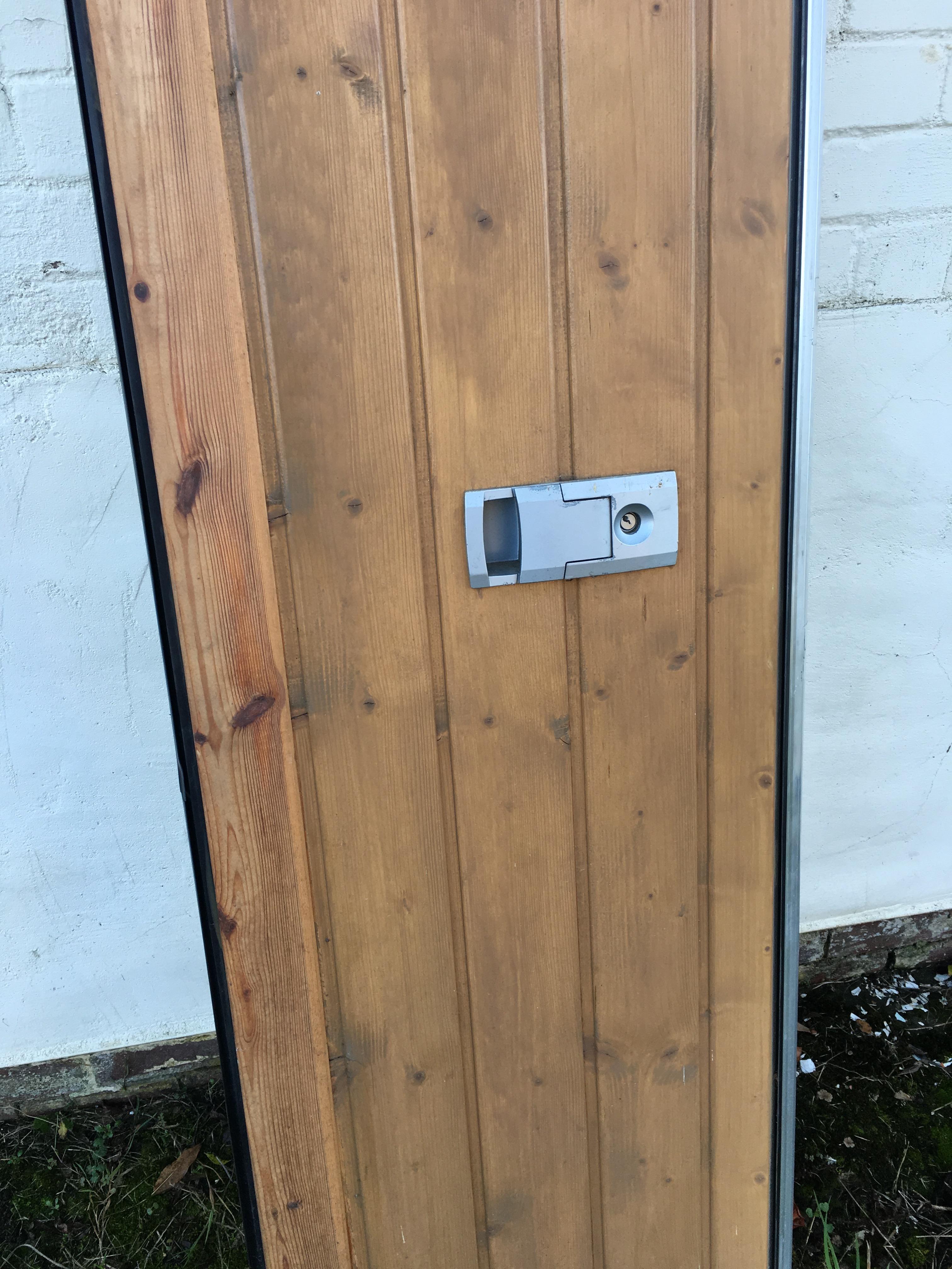 No vat on the hammer price only pair of garage doors for Clamshell door