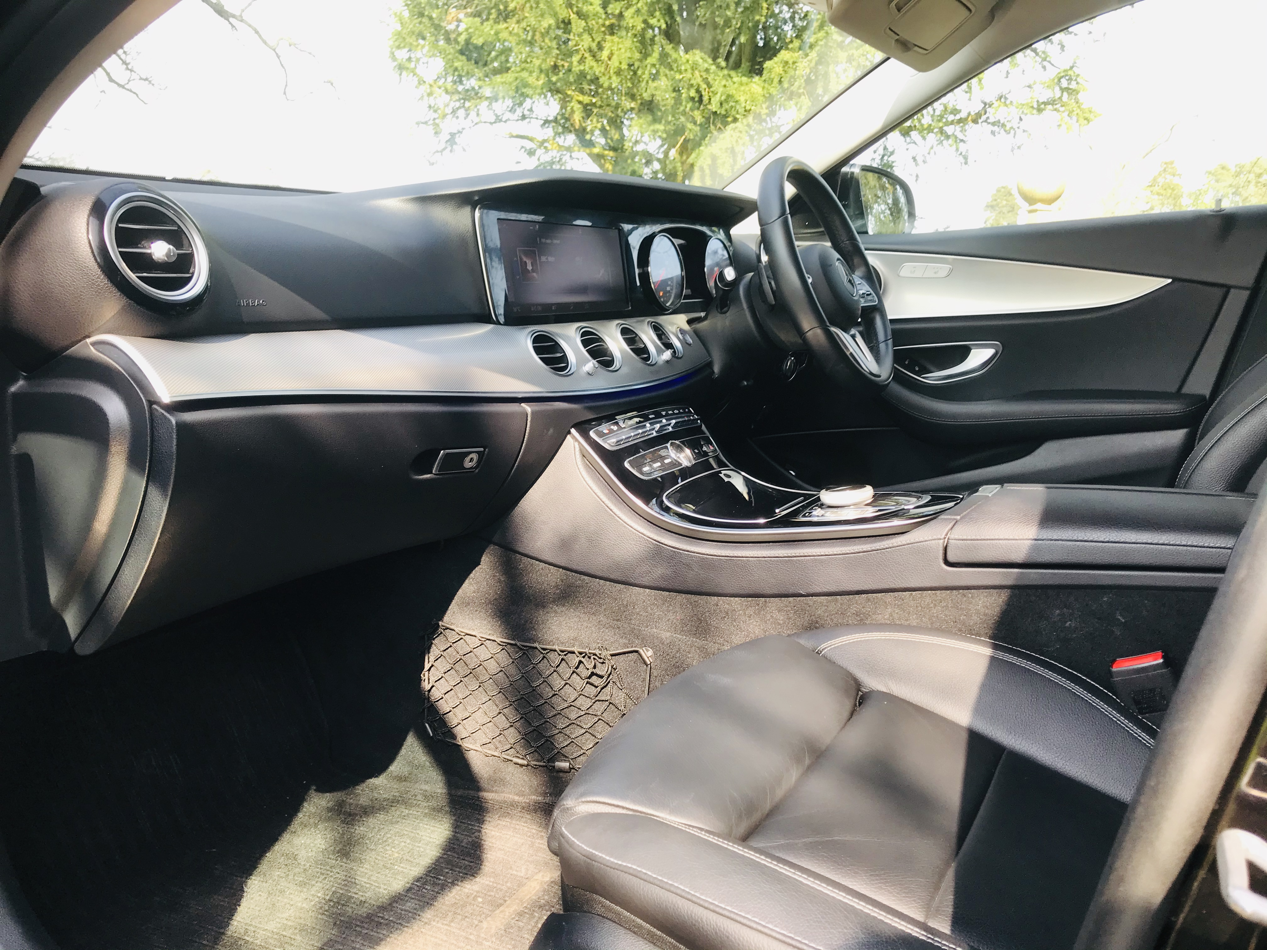 """On Sale MERCEDES E220d """"SPECIAL EQUIPMENT"""" 9G TRONIC (2019 MODEL) 1 OWNER - SAT NAV - LEATHER - WOW! - Image 13 of 26"""