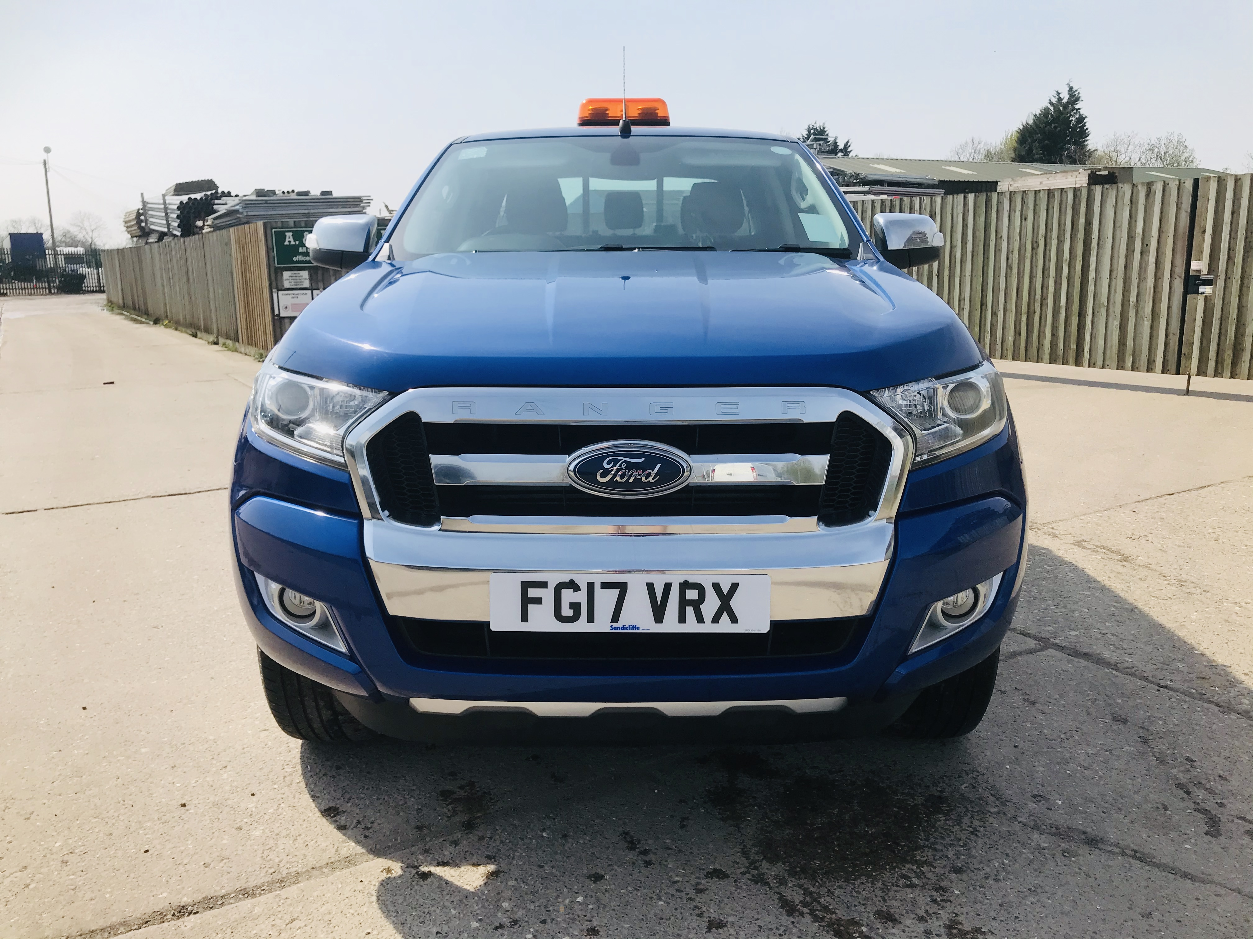 """ON SALE FORD RANGER 2.2TDCI """"LIMITED"""" D/C PICK UP (17 REG) 1 OWNER FSH - FULL LEATHER - CLIMATE & AC - Image 4 of 38"""