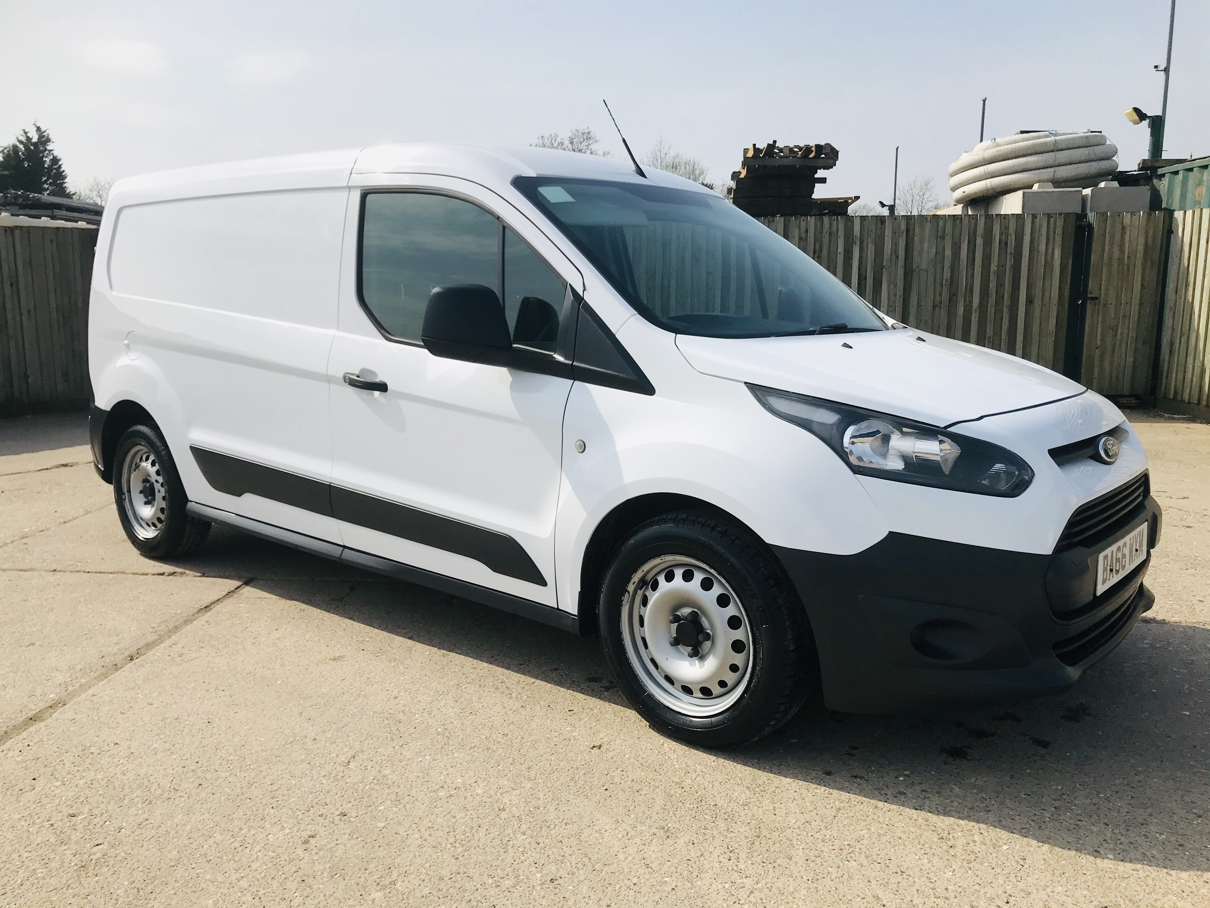 """ON SALE FORD TRANSIT CONNECT 1.6TDCI ECO-TECH 'LWB' 2017 REG - 1 OWNER - FSH - EURO 6""""ULEZ COMPLIANT - Image 2 of 30"""