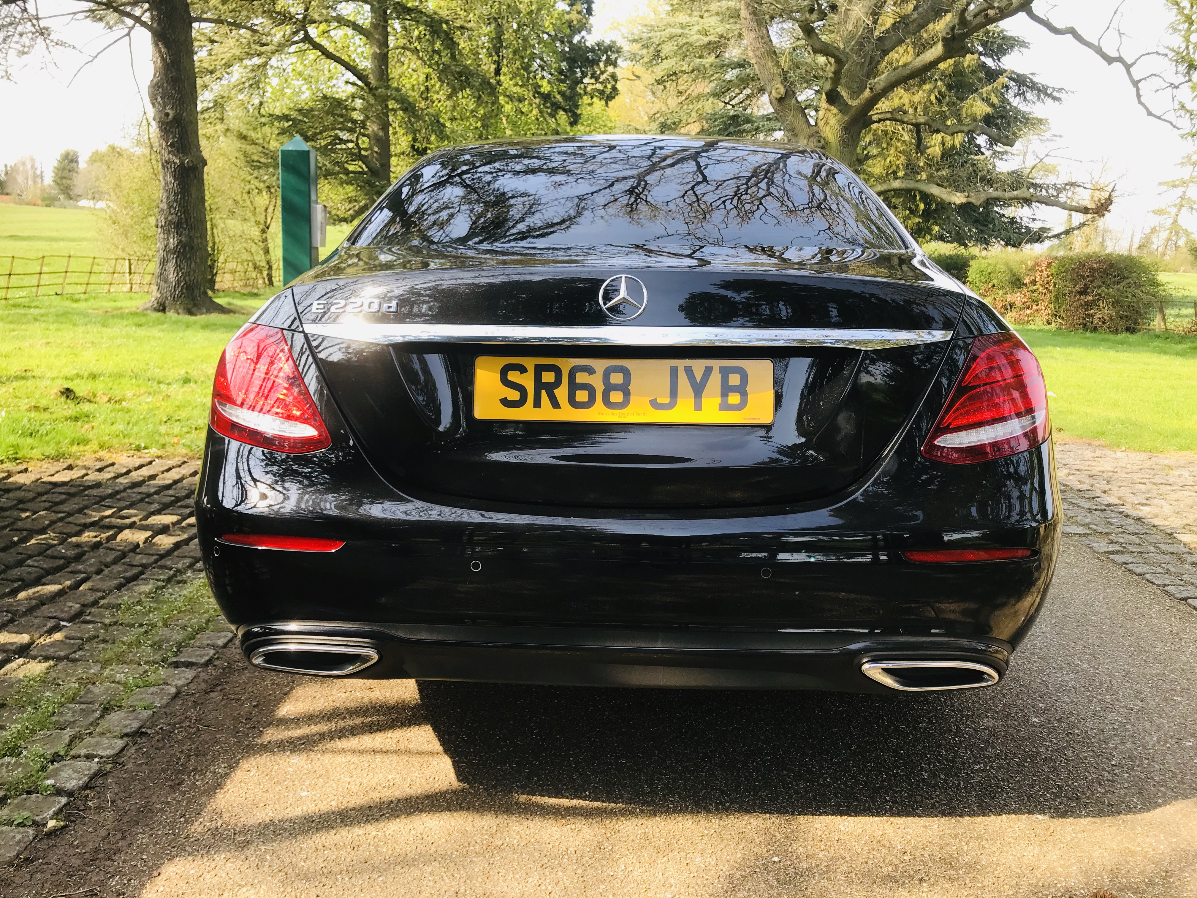 """On Sale MERCEDES E220d """"SPECIAL EQUIPMENT"""" 9G TRONIC (2019 MODEL) 1 OWNER - SAT NAV - LEATHER - WOW! - Image 7 of 26"""