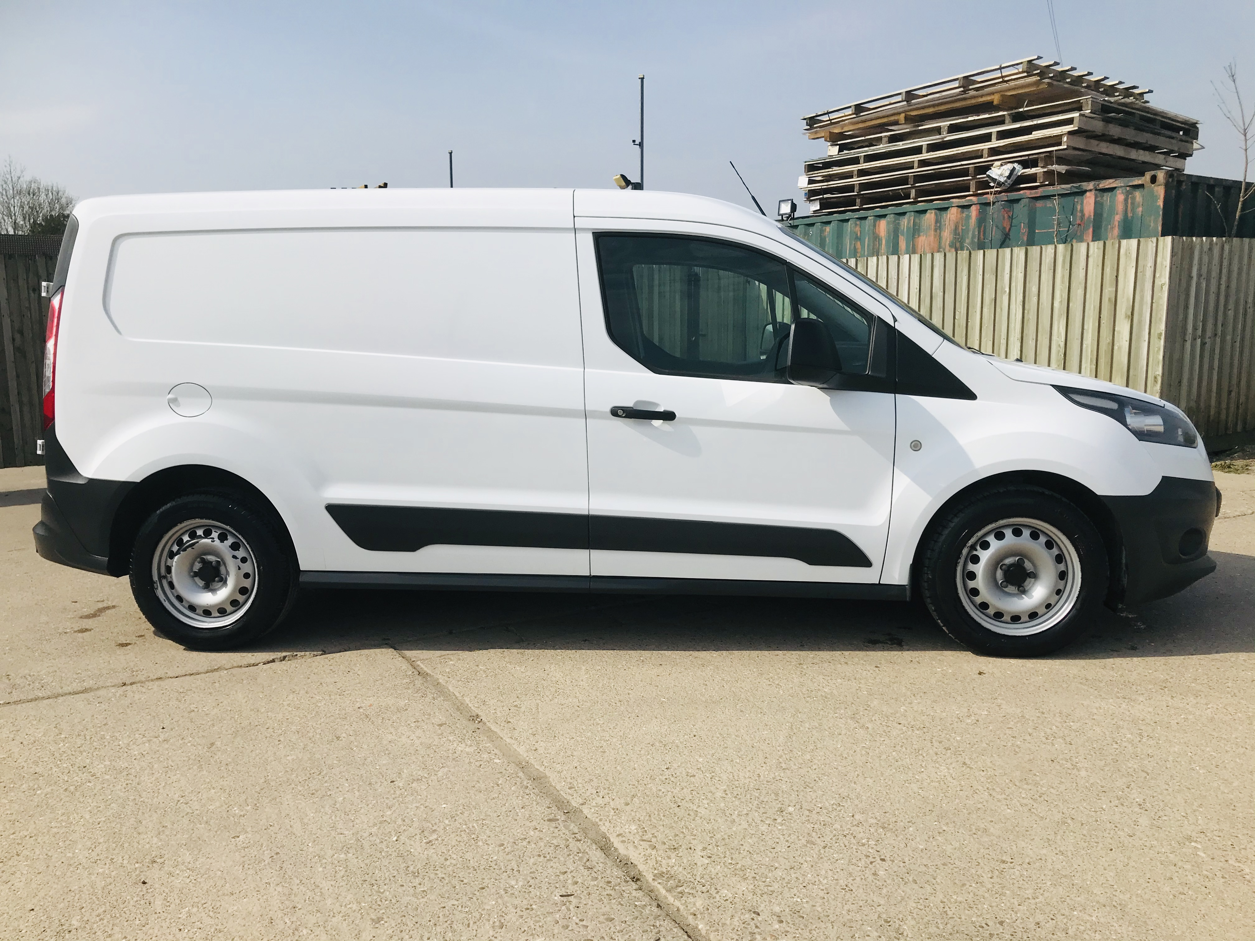 """ON SALE FORD TRANSIT CONNECT 1.6TDCI ECO-TECH 'LWB' 2017 REG - 1 OWNER - FSH - EURO 6""""ULEZ COMPLIANT - Image 12 of 30"""