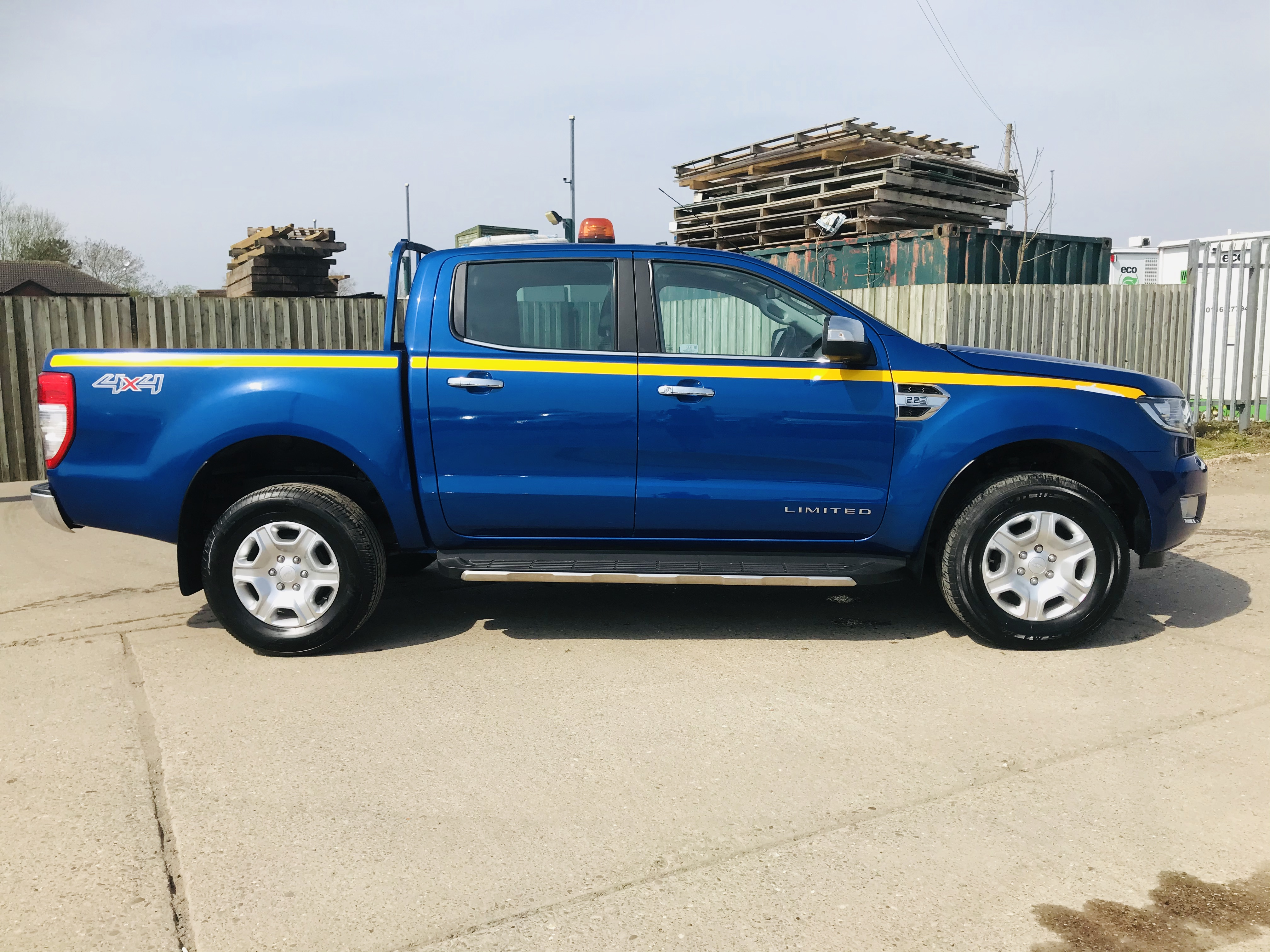 """ON SALE FORD RANGER 2.2TDCI """"LIMITED"""" D/C PICK UP (17 REG) 1 OWNER FSH - FULL LEATHER - CLIMATE & AC - Image 12 of 38"""
