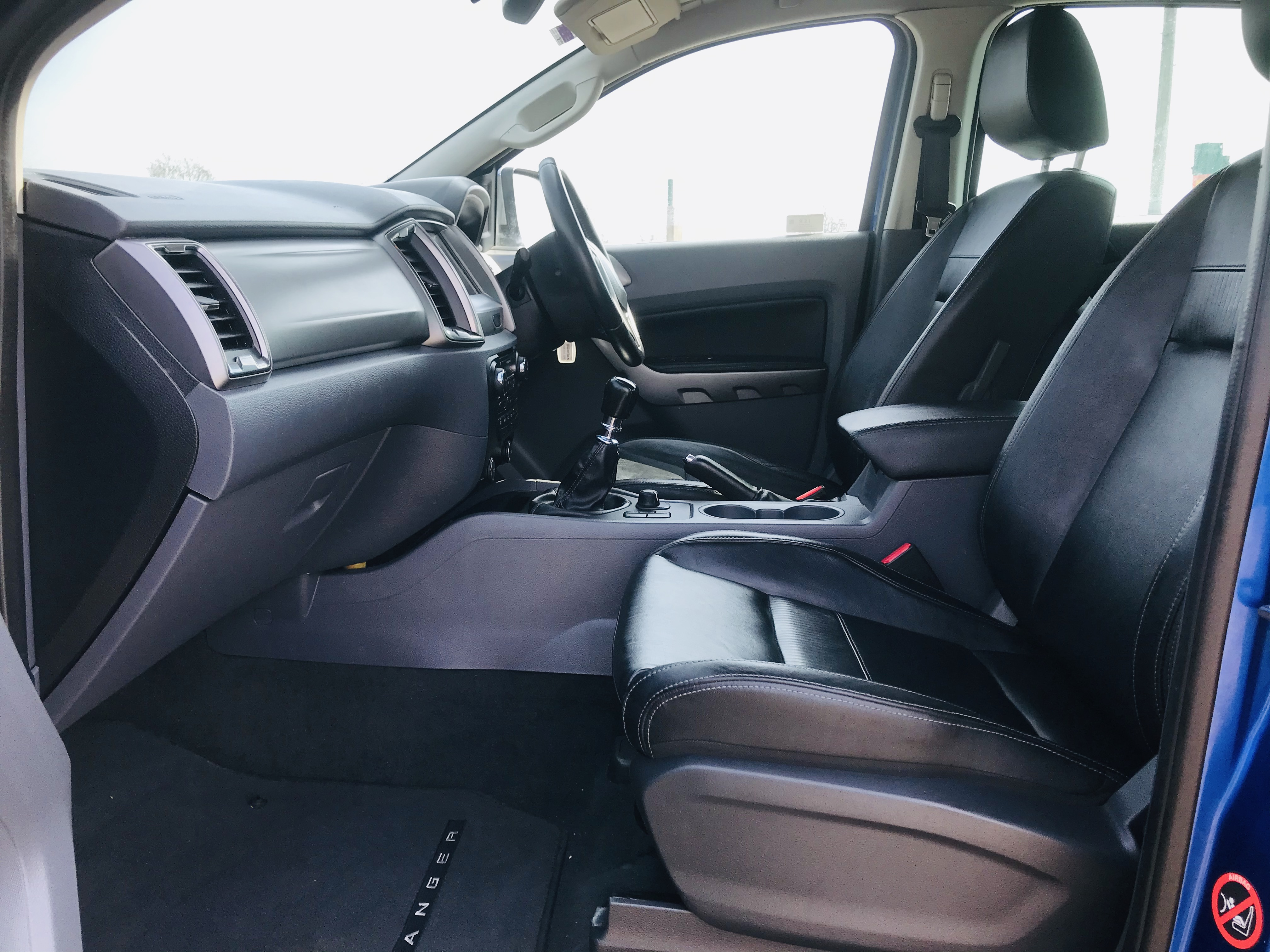 """ON SALE FORD RANGER 2.2TDCI """"LIMITED"""" D/C PICK UP (17 REG) 1 OWNER FSH - FULL LEATHER - CLIMATE & AC - Image 21 of 38"""