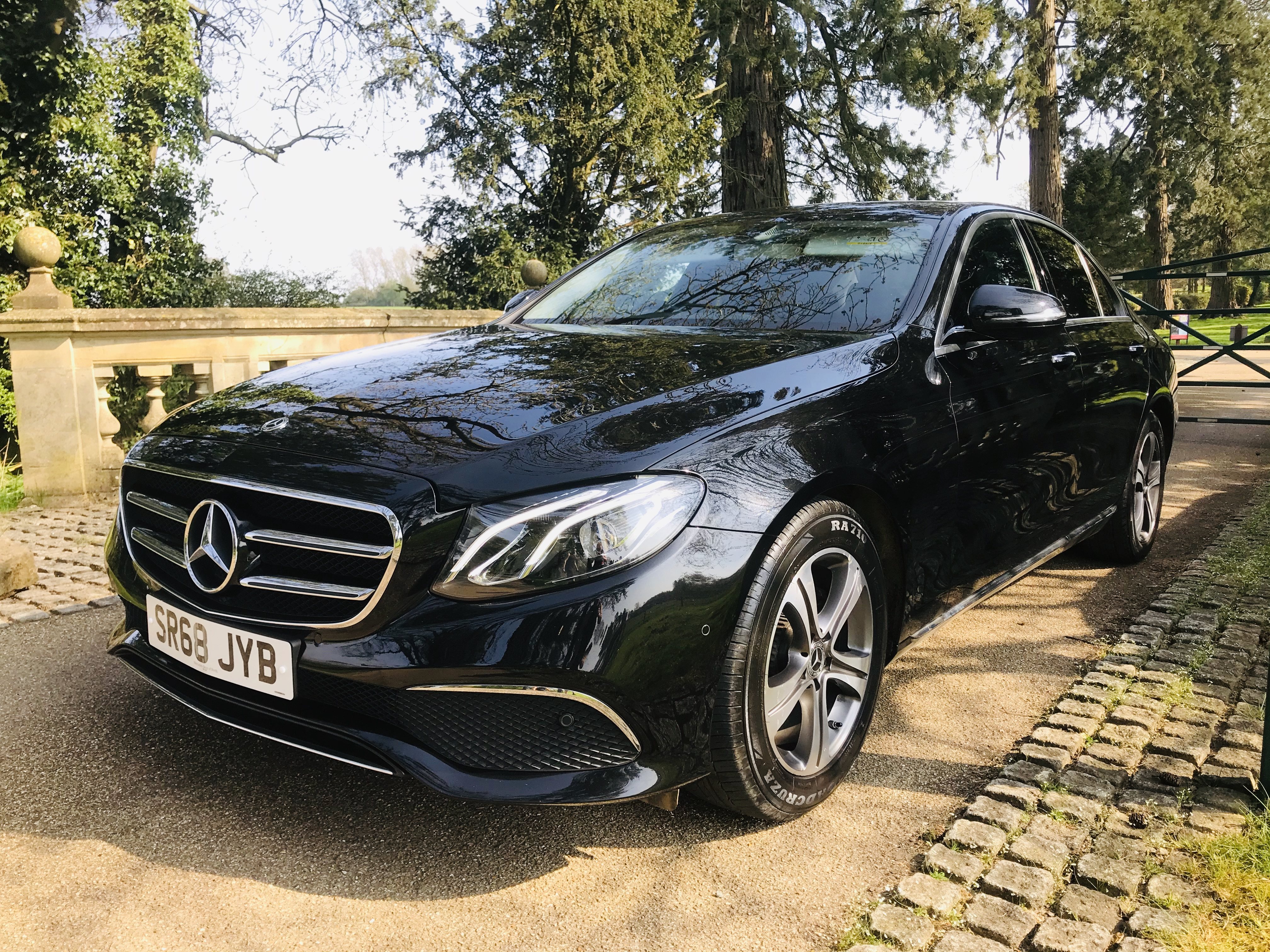 """On Sale MERCEDES E220d """"SPECIAL EQUIPMENT"""" 9G TRONIC (2019 MODEL) 1 OWNER - SAT NAV - LEATHER - WOW! - Image 5 of 26"""