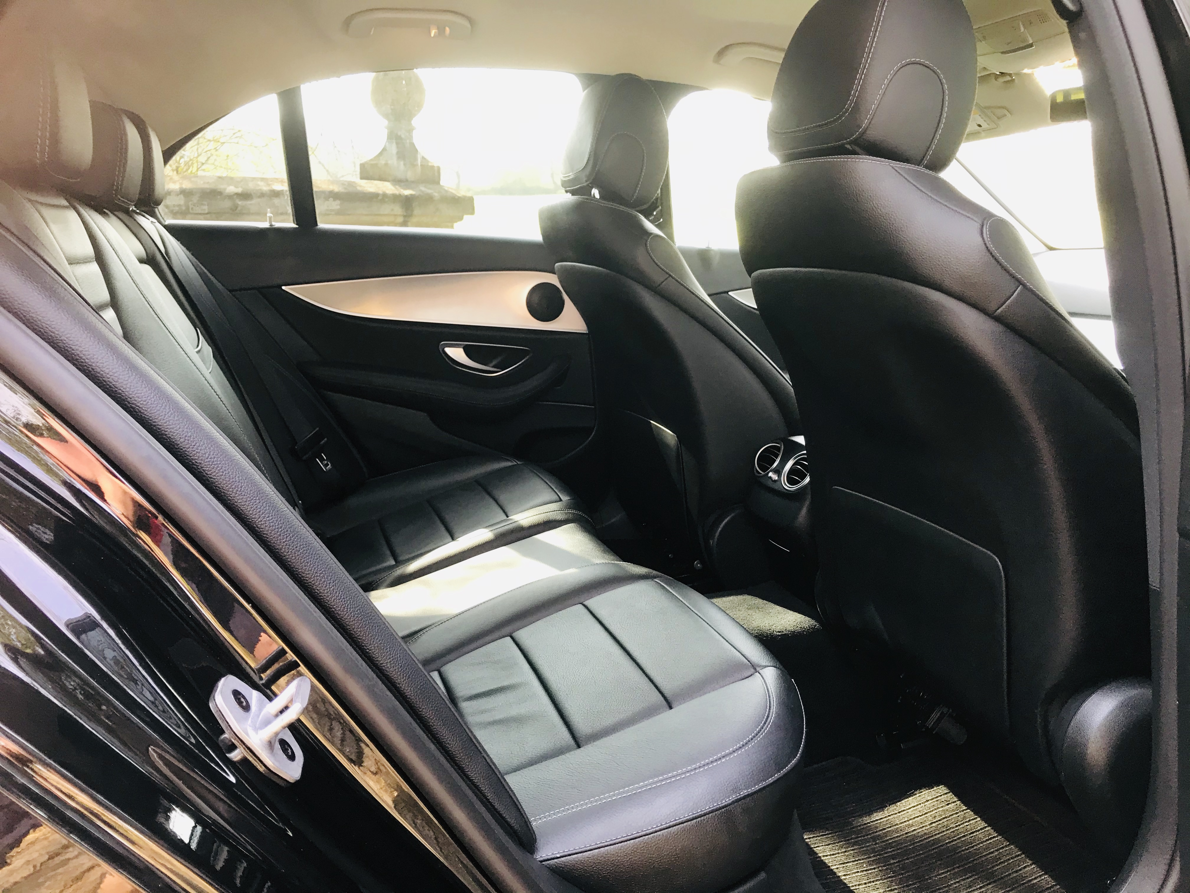 """On Sale MERCEDES E220d """"SPECIAL EQUIPMENT"""" 9G TRONIC (2019 MODEL) 1 OWNER - SAT NAV - LEATHER - WOW! - Image 15 of 26"""