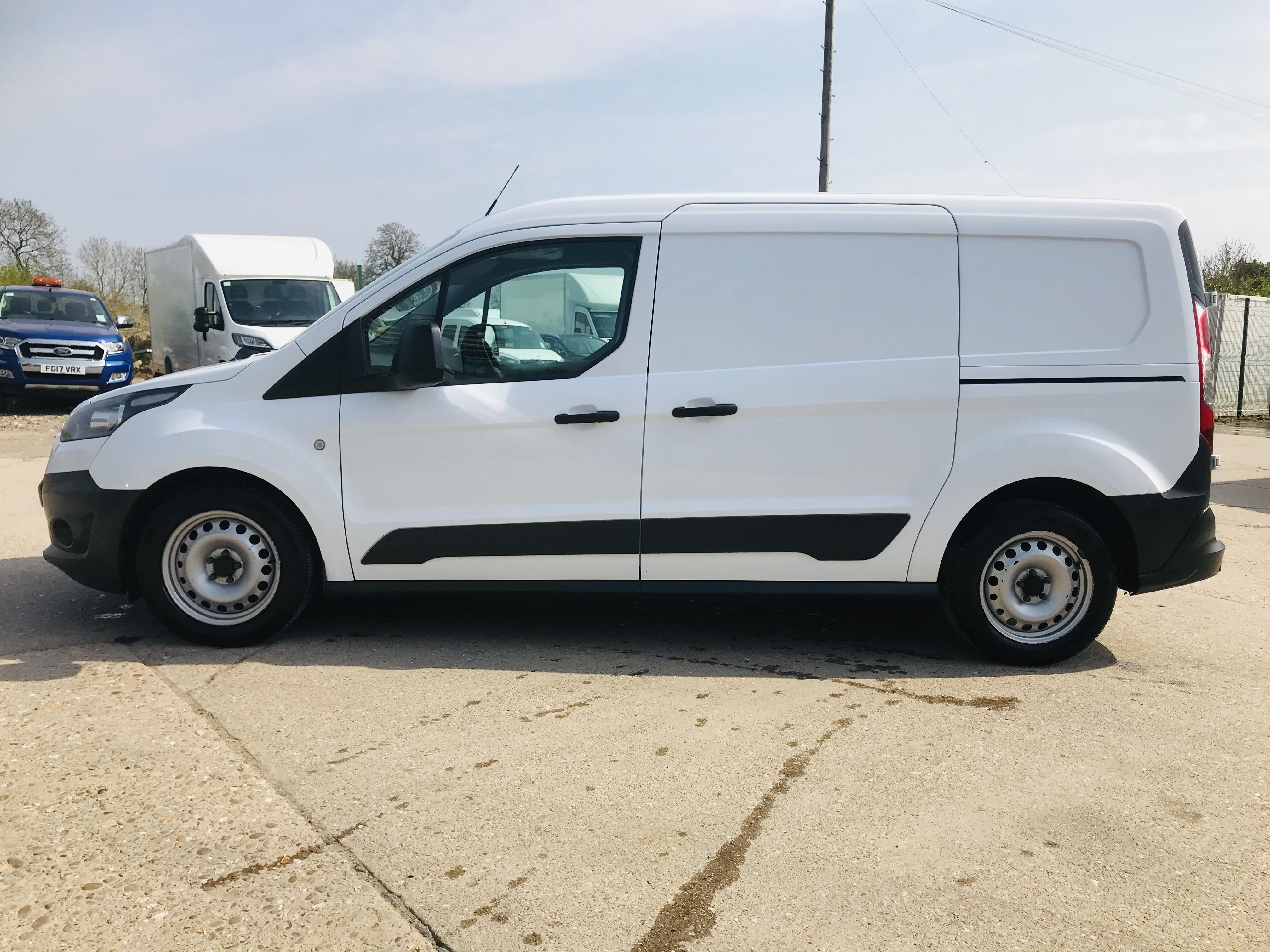 """ON SALE FORD TRANSIT CONNECT 1.6TDCI ECO-TECH 'LWB' 2017 REG - 1 OWNER - FSH - EURO 6""""ULEZ COMPLIANT - Image 8 of 30"""
