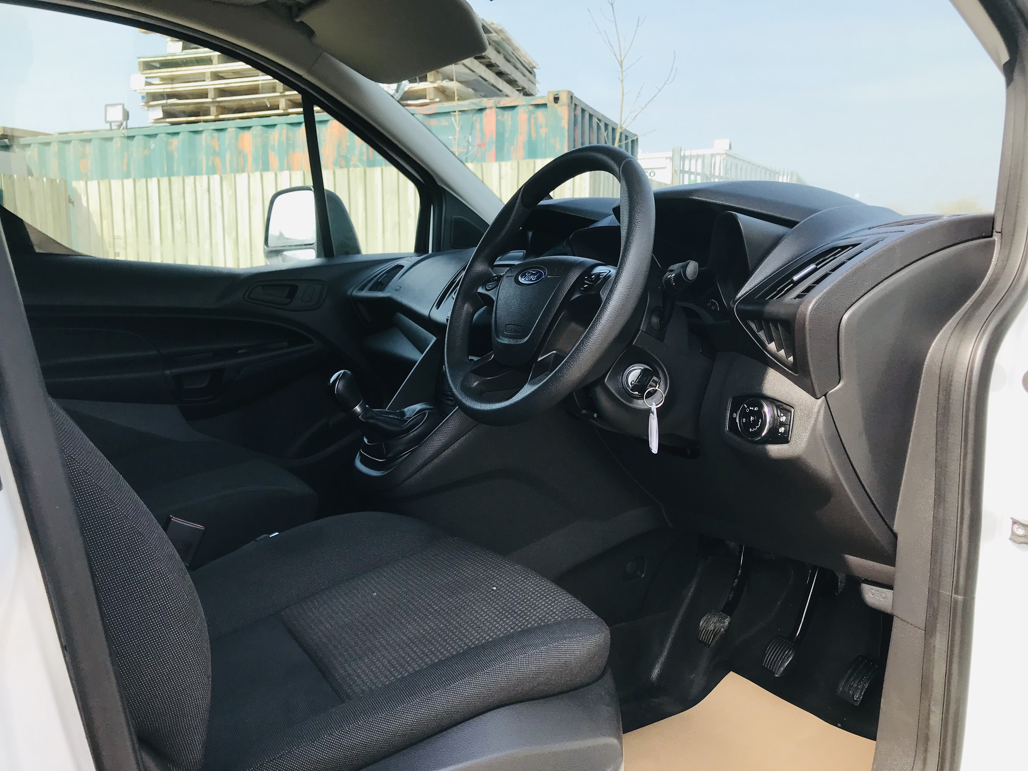 """ON SALE FORD TRANSIT CONNECT 1.6TDCI ECO-TECH 'LWB' 2017 REG - 1 OWNER - FSH - EURO 6""""ULEZ COMPLIANT - Image 14 of 30"""