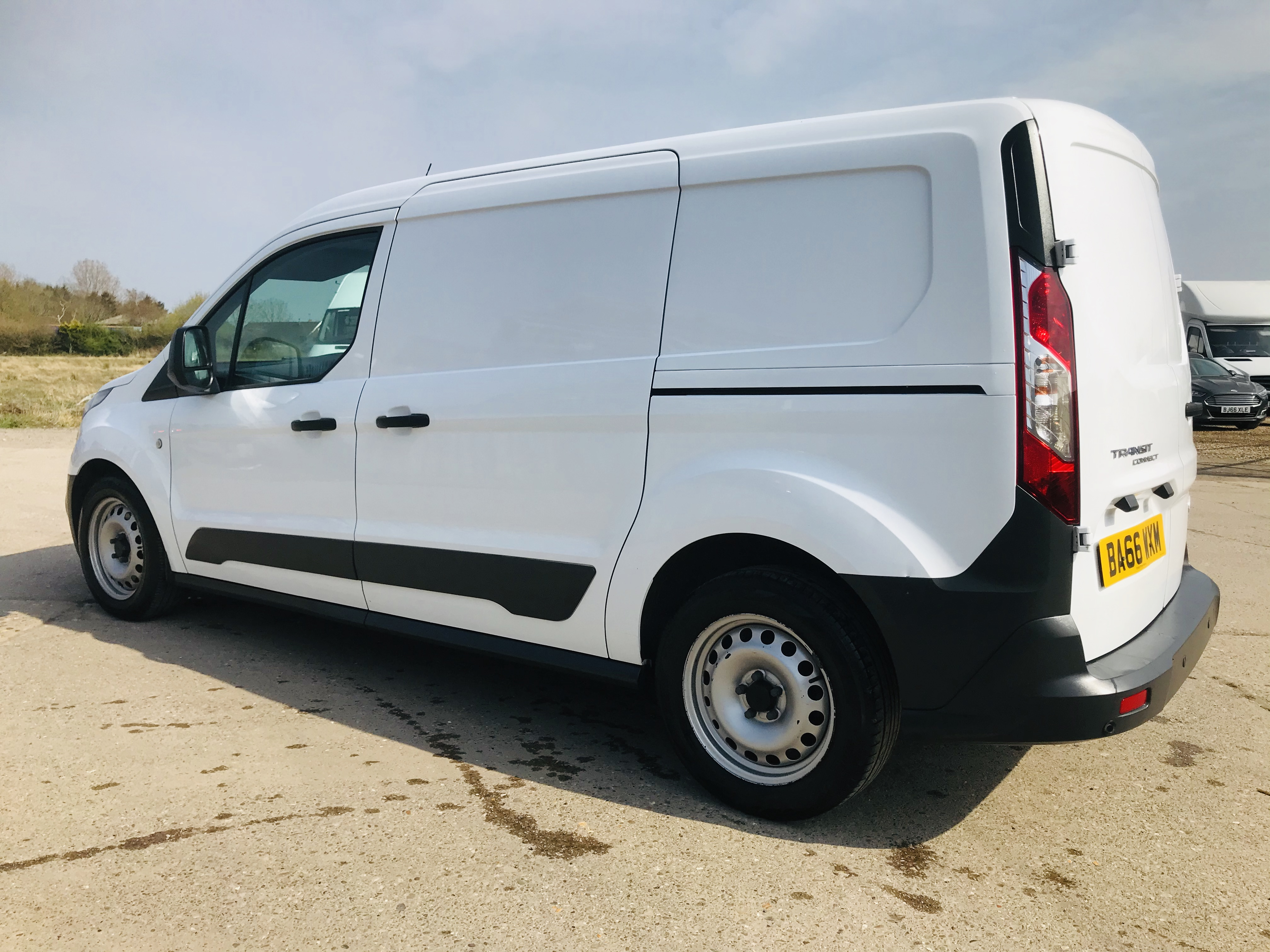 """ON SALE FORD TRANSIT CONNECT 1.6TDCI ECO-TECH 'LWB' 2017 REG - 1 OWNER - FSH - EURO 6""""ULEZ COMPLIANT - Image 9 of 30"""