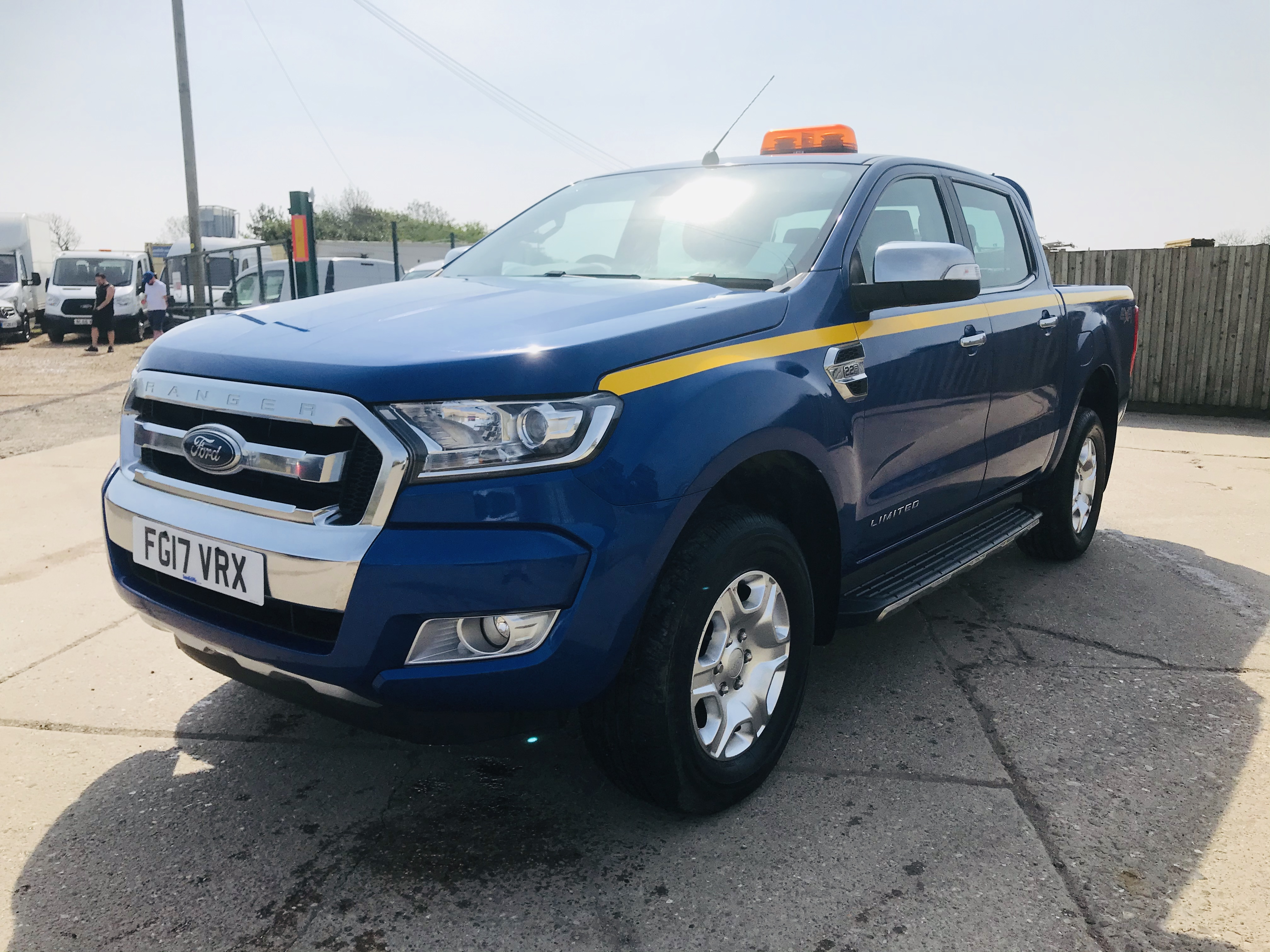 """ON SALE FORD RANGER 2.2TDCI """"LIMITED"""" D/C PICK UP (17 REG) 1 OWNER FSH - FULL LEATHER - CLIMATE & AC - Image 5 of 38"""