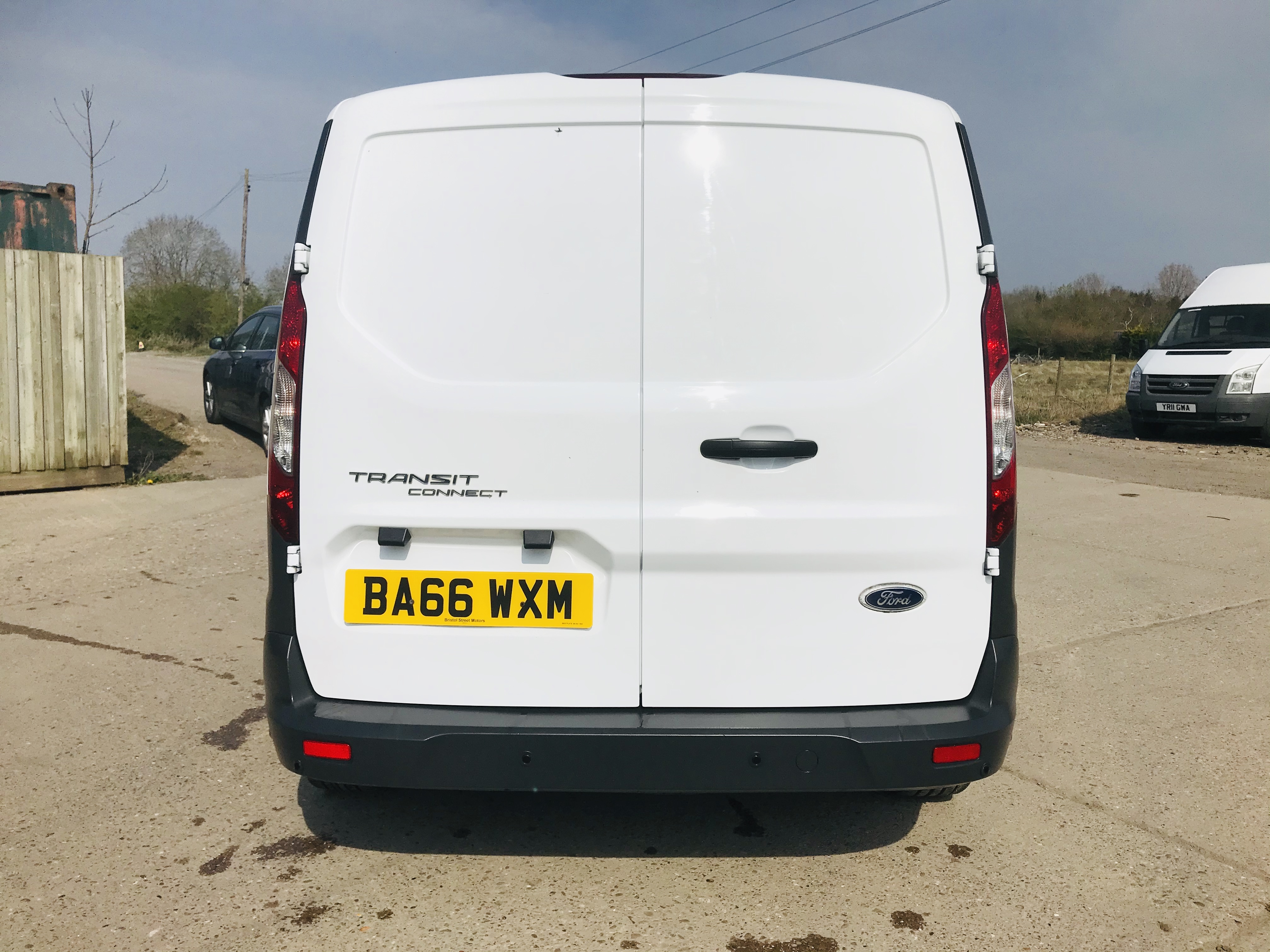 """ON SALE FORD TRANSIT CONNECT 1.6TDCI ECO-TECH 'LWB' 2017 REG - 1 OWNER - FSH - EURO 6""""ULEZ COMPLIANT - Image 10 of 30"""