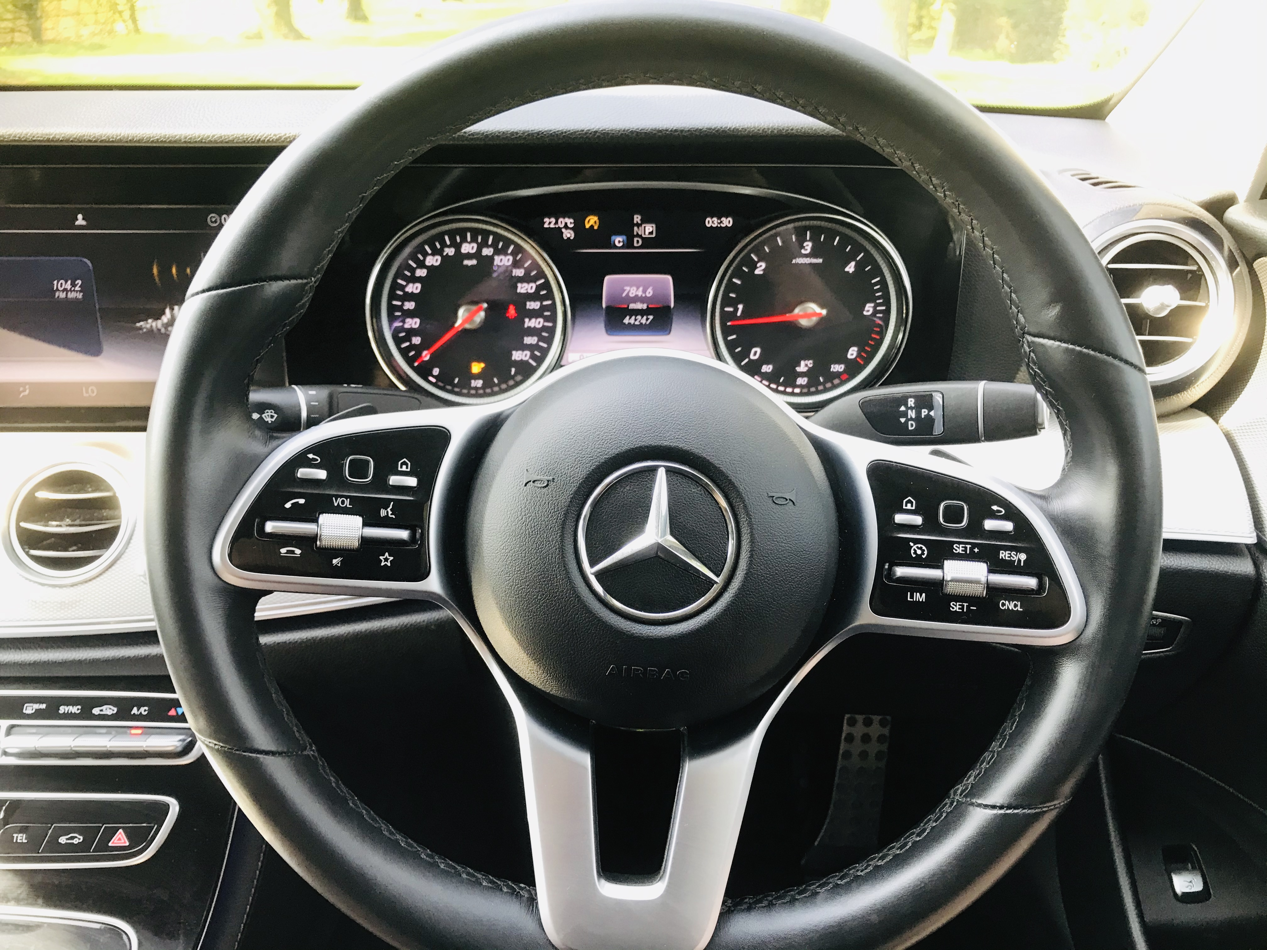 """On Sale MERCEDES E220d """"SPECIAL EQUIPMENT"""" 9G TRONIC (2019 MODEL) 1 OWNER - SAT NAV - LEATHER - WOW! - Image 16 of 26"""