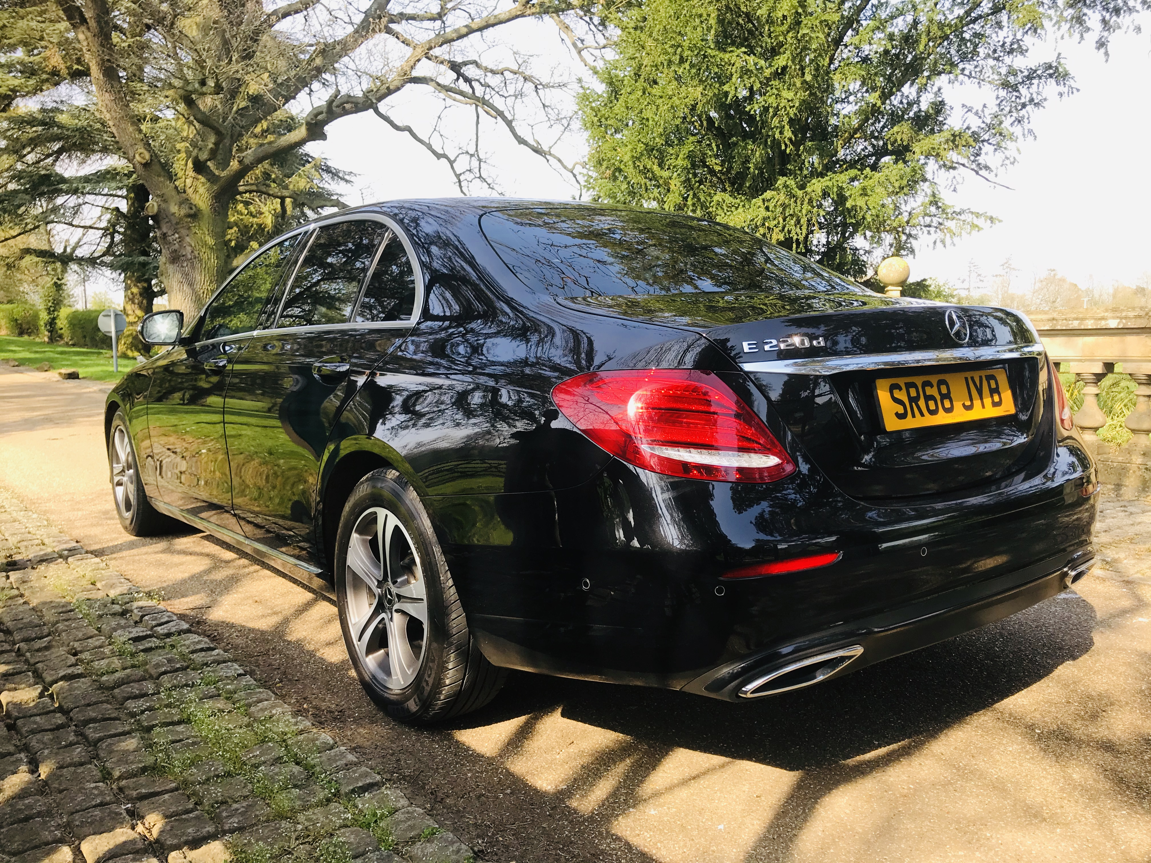 """On Sale MERCEDES E220d """"SPECIAL EQUIPMENT"""" 9G TRONIC (2019 MODEL) 1 OWNER - SAT NAV - LEATHER - WOW! - Image 6 of 26"""