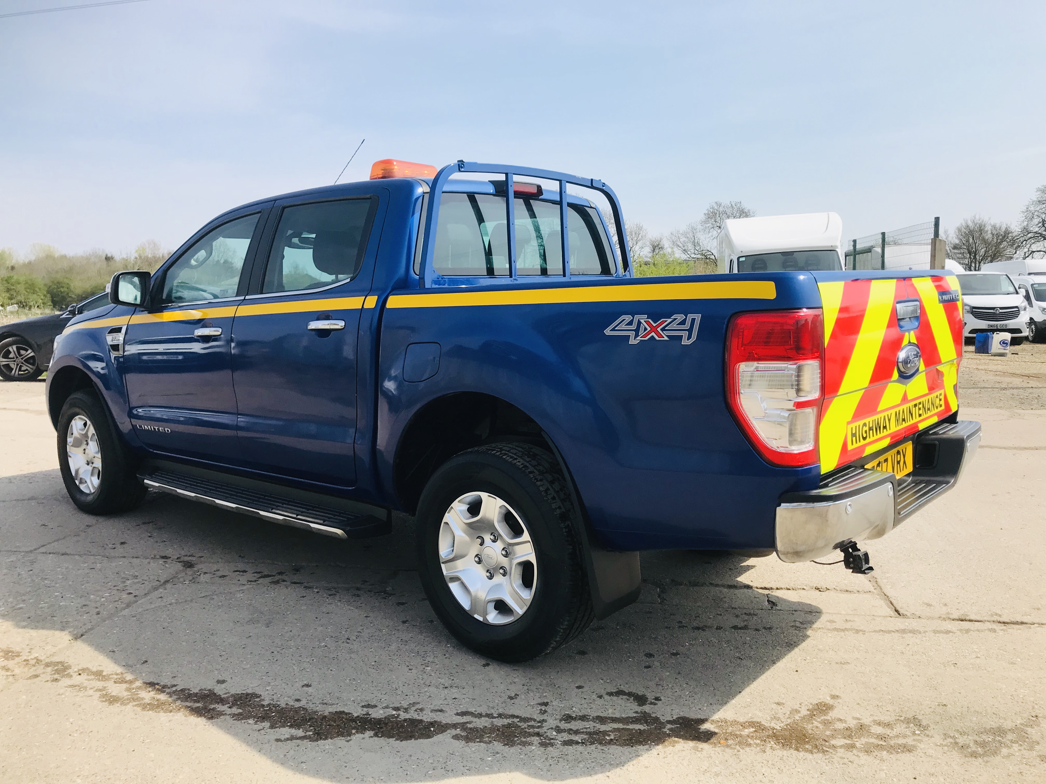 """ON SALE FORD RANGER 2.2TDCI """"LIMITED"""" D/C PICK UP (17 REG) 1 OWNER FSH - FULL LEATHER - CLIMATE & AC - Image 9 of 38"""
