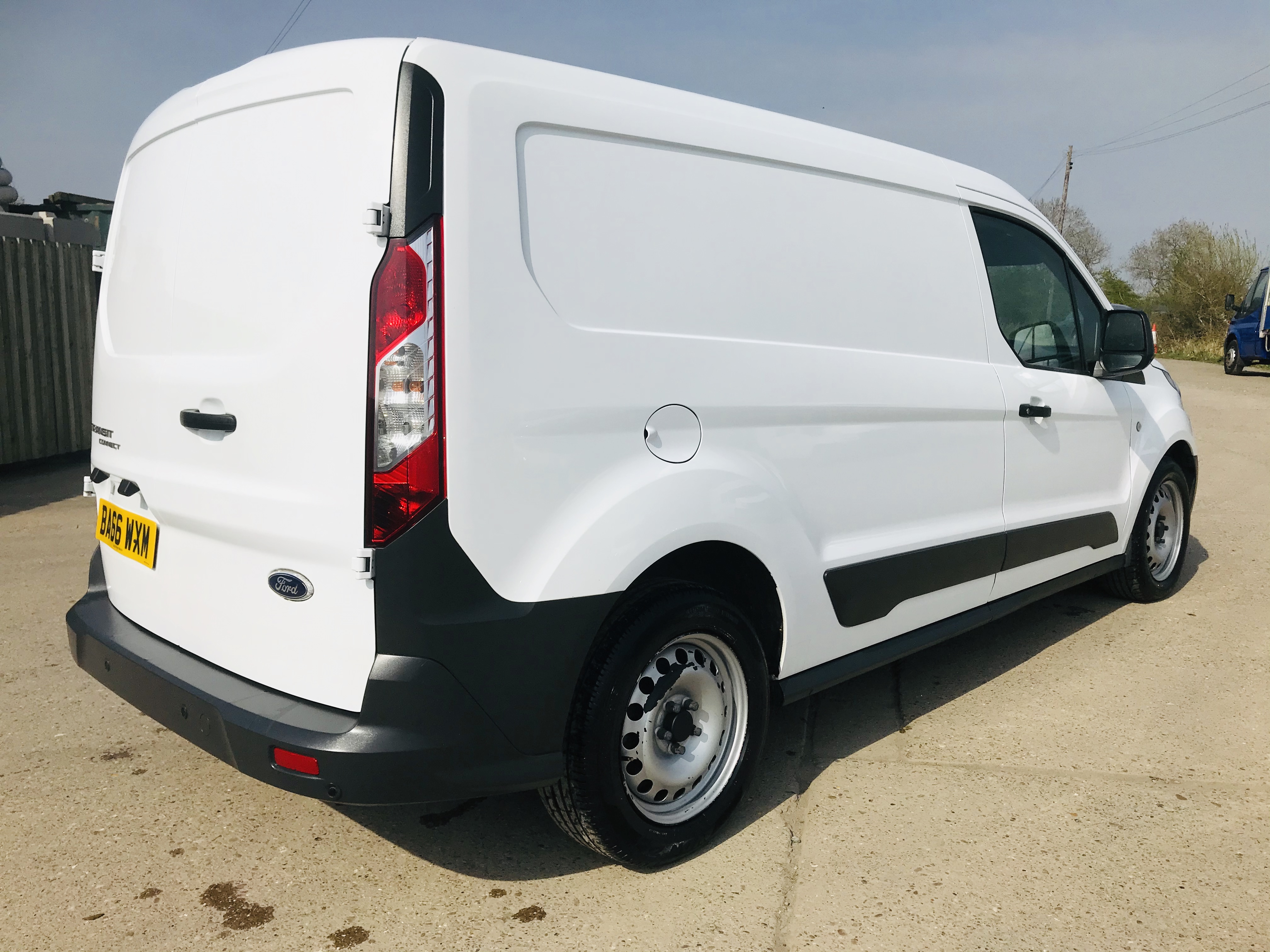 """ON SALE FORD TRANSIT CONNECT 1.6TDCI ECO-TECH 'LWB' 2017 REG - 1 OWNER - FSH - EURO 6""""ULEZ COMPLIANT - Image 11 of 30"""