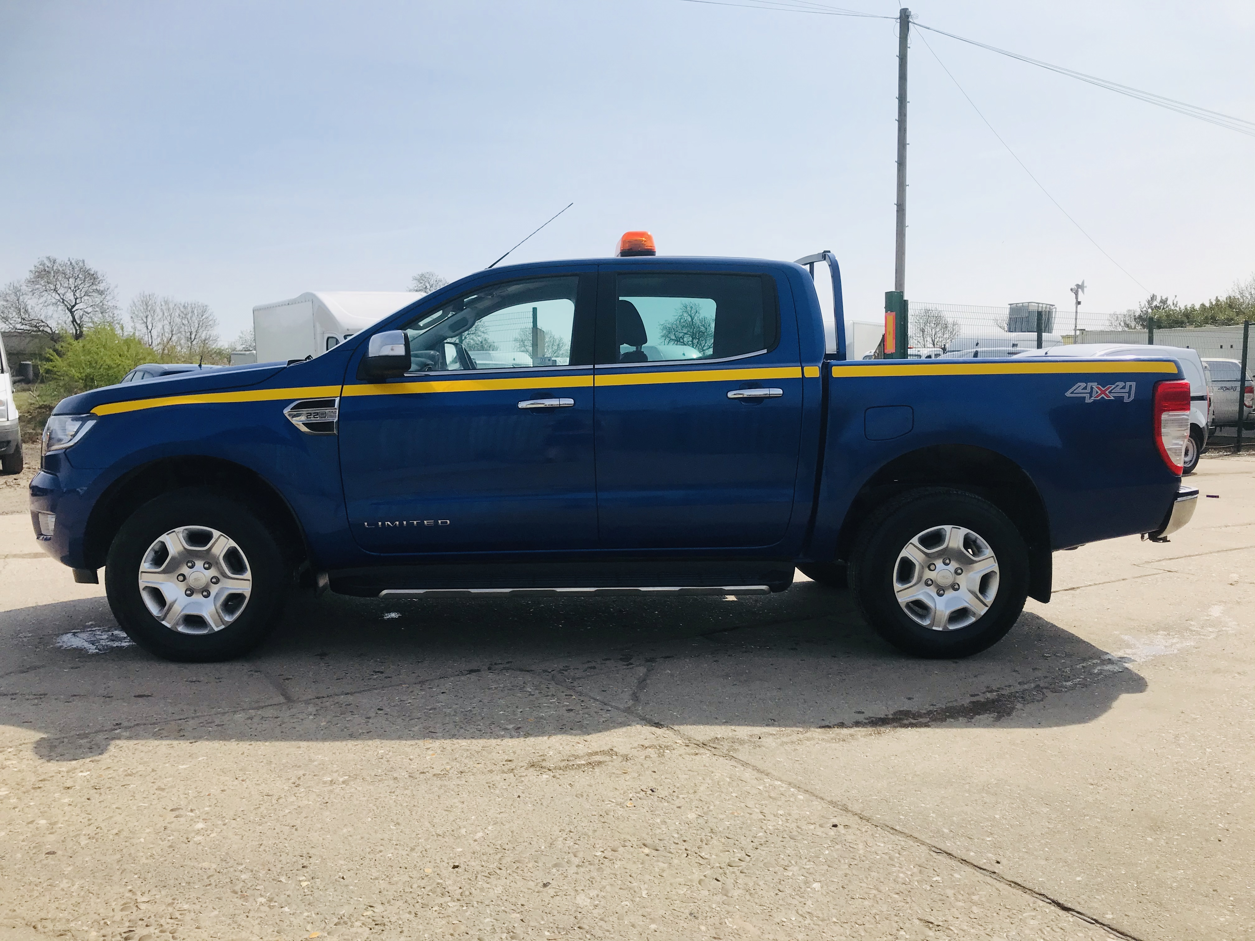 """ON SALE FORD RANGER 2.2TDCI """"LIMITED"""" D/C PICK UP (17 REG) 1 OWNER FSH - FULL LEATHER - CLIMATE & AC - Image 8 of 38"""