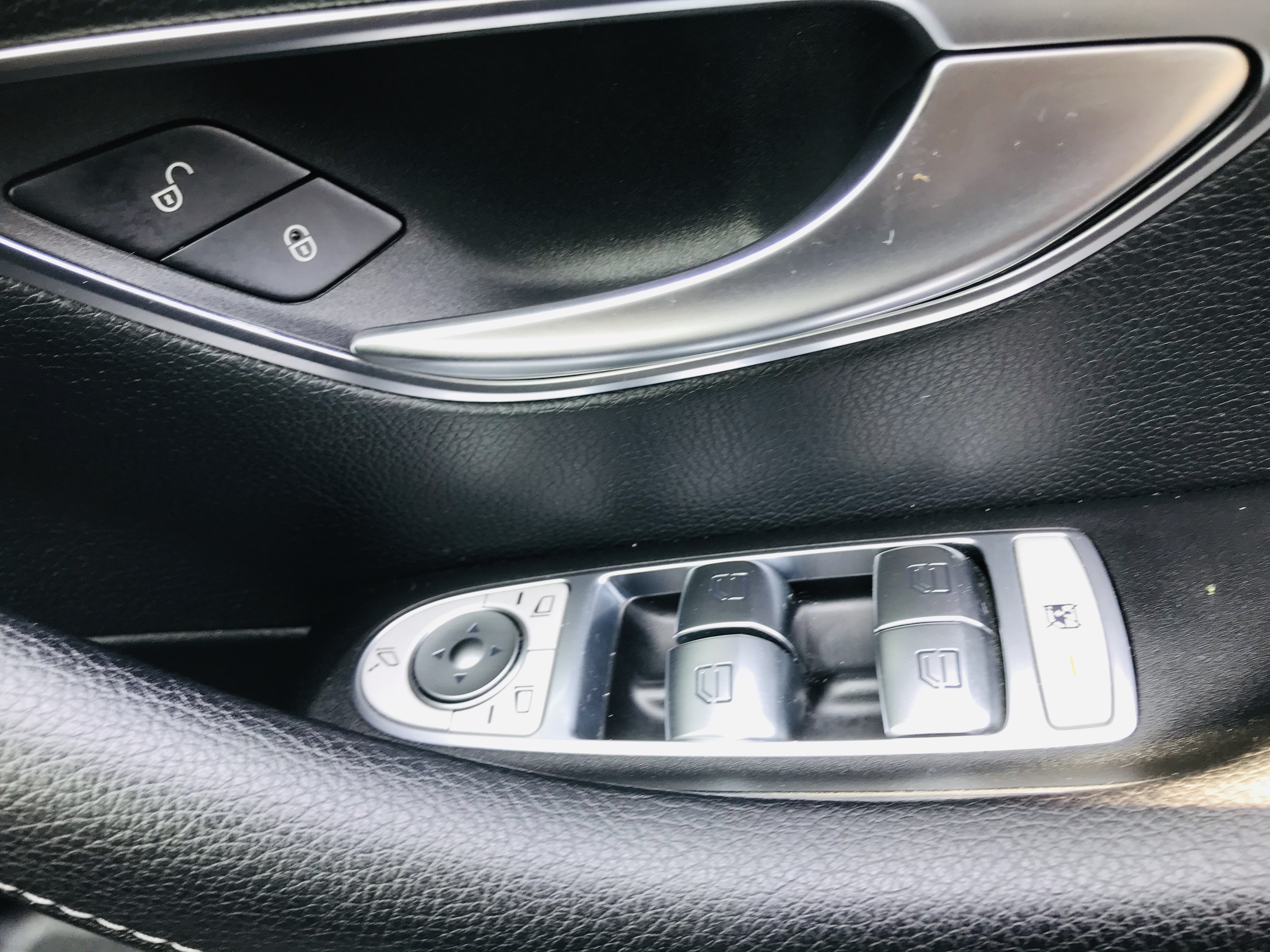 """On Sale MERCEDES E220d """"SPECIAL EQUIPMENT"""" 9G TRONIC (2019 MODEL) 1 OWNER - SAT NAV - LEATHER - WOW! - Image 20 of 26"""