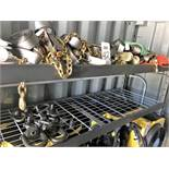 LOT - ASSORTED RATCHET STRAPS W/ SWIVEL TIEDOWN, TO INCLUDE RACK (LOCATION: FLEX CONTAINER)