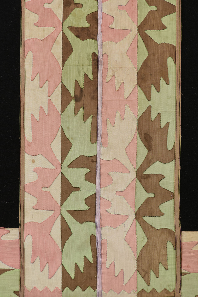 Lot 41 - A SAC AND FOX NATIVE AMERICAN INDIANS SKIRT WITH OSAGE TRIBE BEADED SASH, 20TH CENTURY, the black