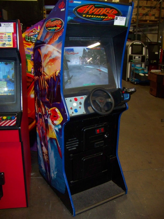 Lot 44 - HYDRO THUNDER UPRIGHT ARCADE GAME MIDWAY