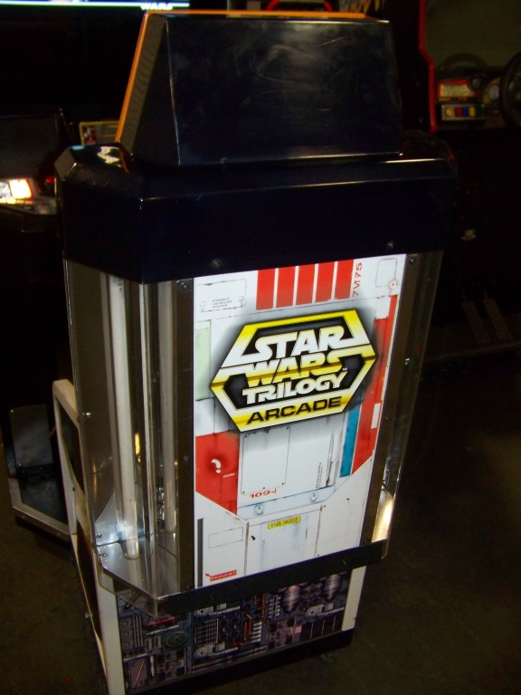 Lot 12 - STAR WARS TRILOGY DX ARCADE GAME LCD MONITOR