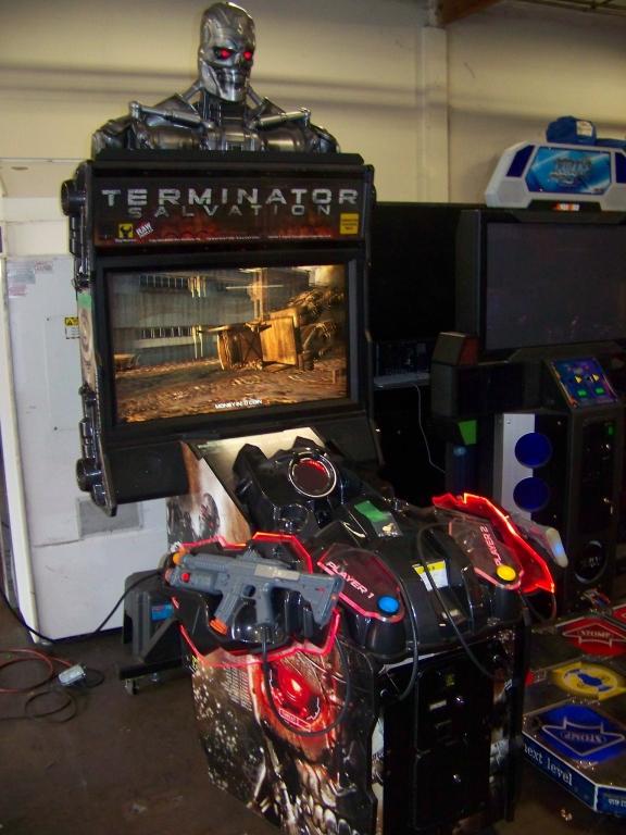 "Lot 5 - TERMINATOR SALVATION DELUXE 42"" ARCADE GAME"