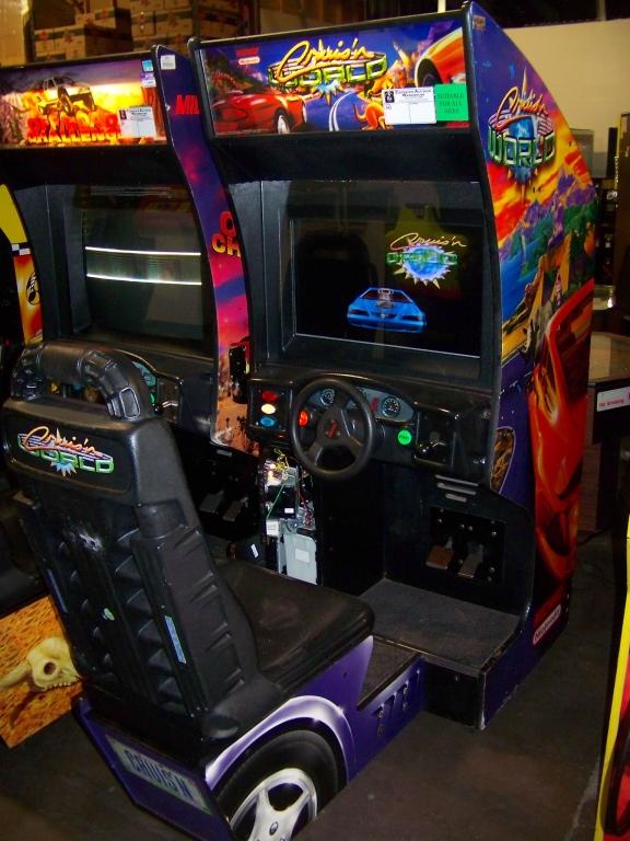 Lot 27 - CRUISIN WORLD SITDOWN DRIVER ARCADE GAME