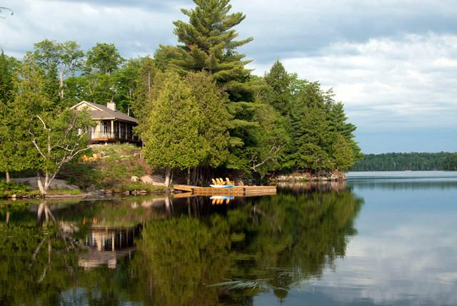 Lot 2 - VACATION EXPERIENCE: Luxury Cottage on Lake Neighick, Parry Sound