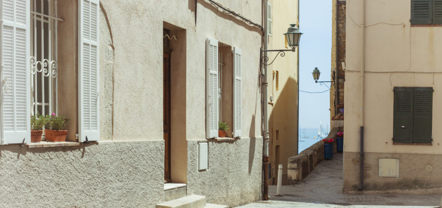 Lot 1 - VACATION EXPERIENCE: Hand Picked holiday home in Antibes