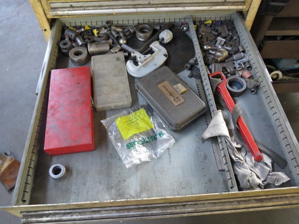 TOOL BOX W/ CONTENTS - Image 5 of 7