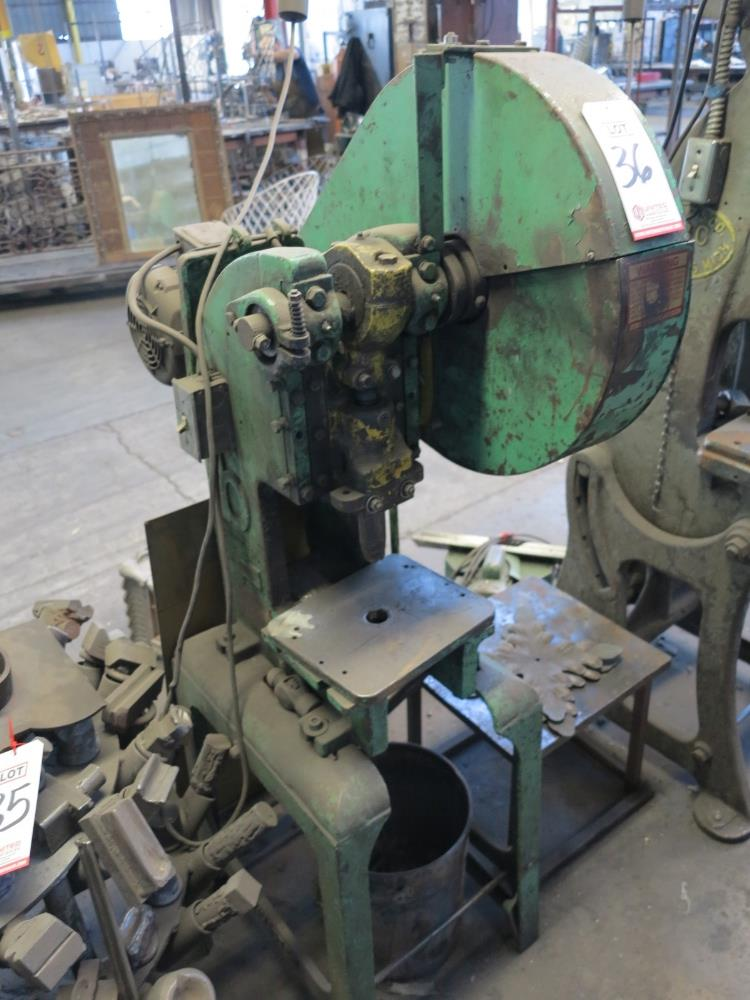 BENCHMASTER C FRAME PUNCH PRESS, S/N 5504