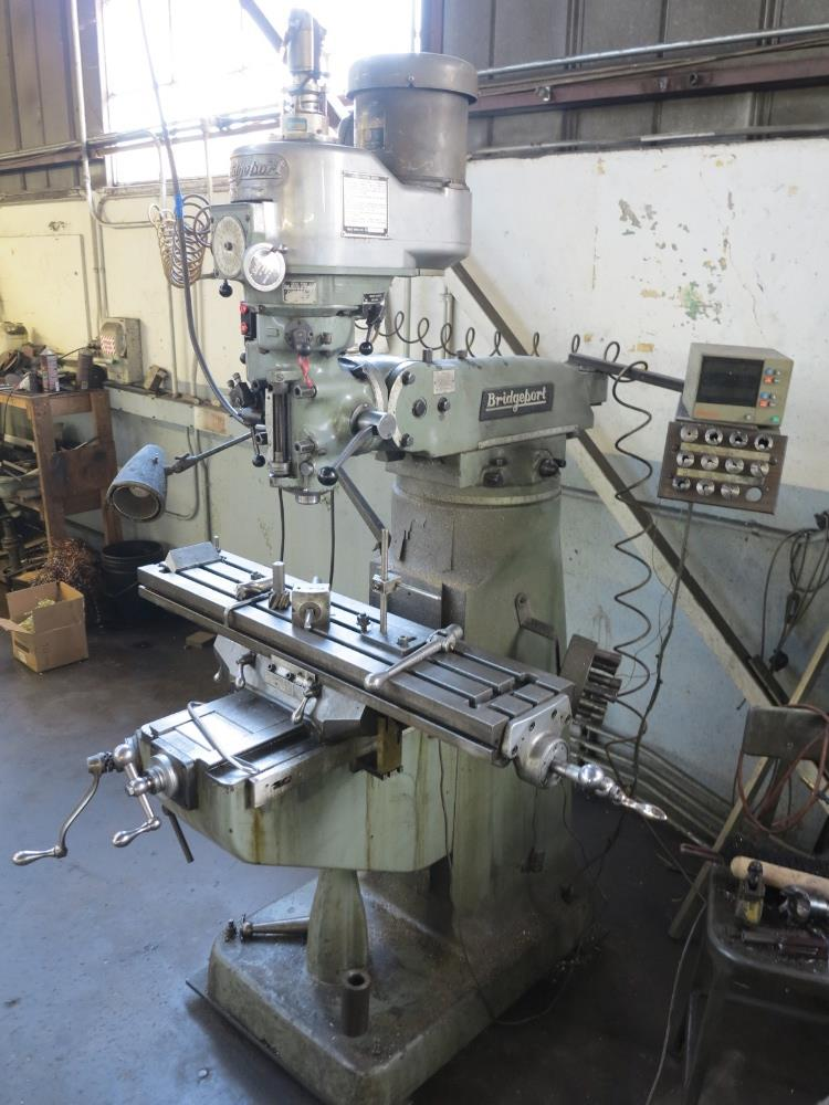 """BRIDGEPORT VERTICAL MILL, 9"""" X 42"""" TABLE, MITUTOYO 2-AXIS PRO, VARIABLE SPEED POWER DRAW BAR, S/N - Image 2 of 2"""