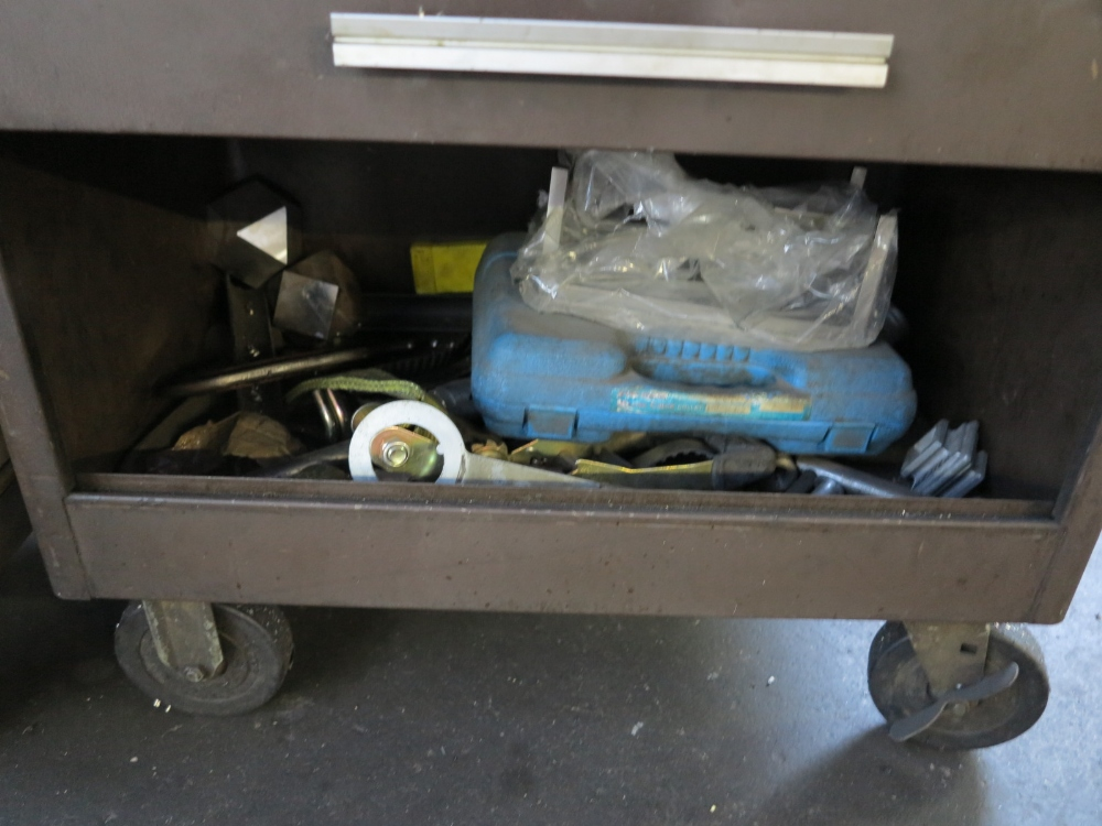 KENNEDY TOOL BOX W/ CONTENTS - Image 5 of 5