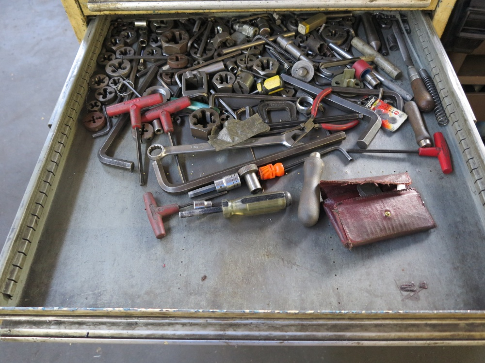 TOOL BOX W/ CONTENTS - Image 4 of 7