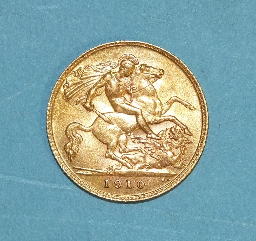 Lot 267 - A 1910 half-sovereign.