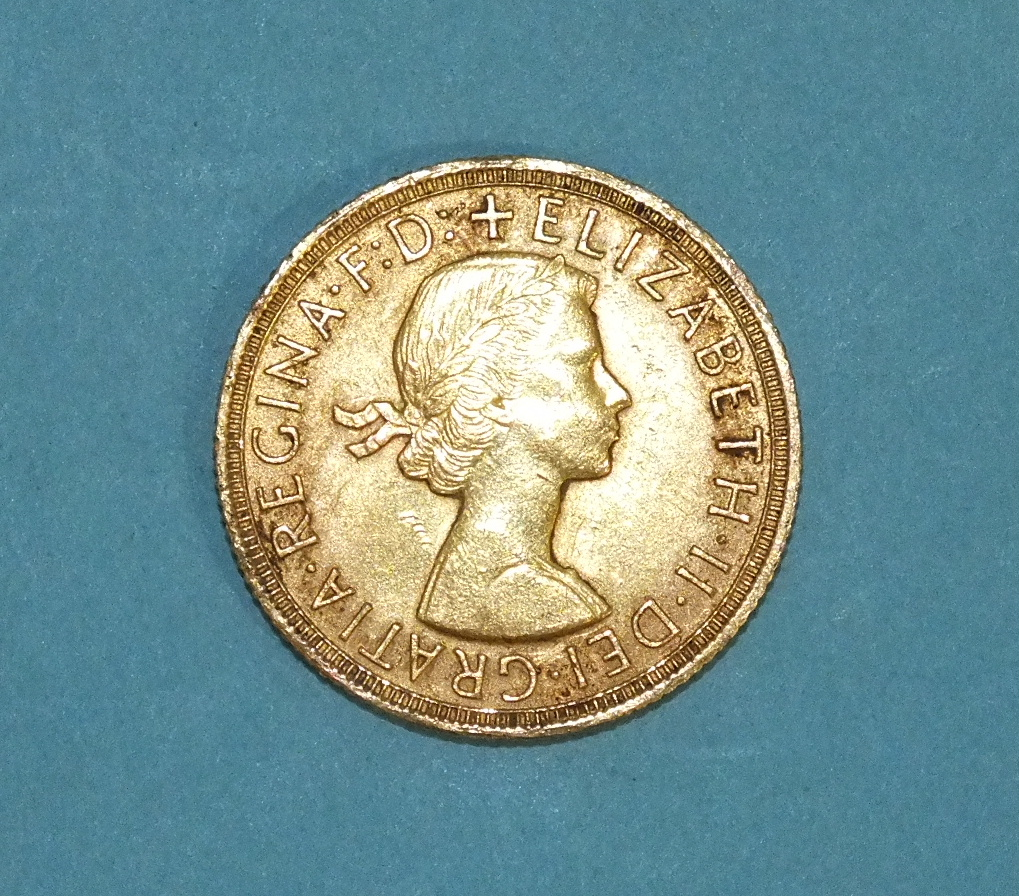 Lot 266 - A 1958 sovereign.