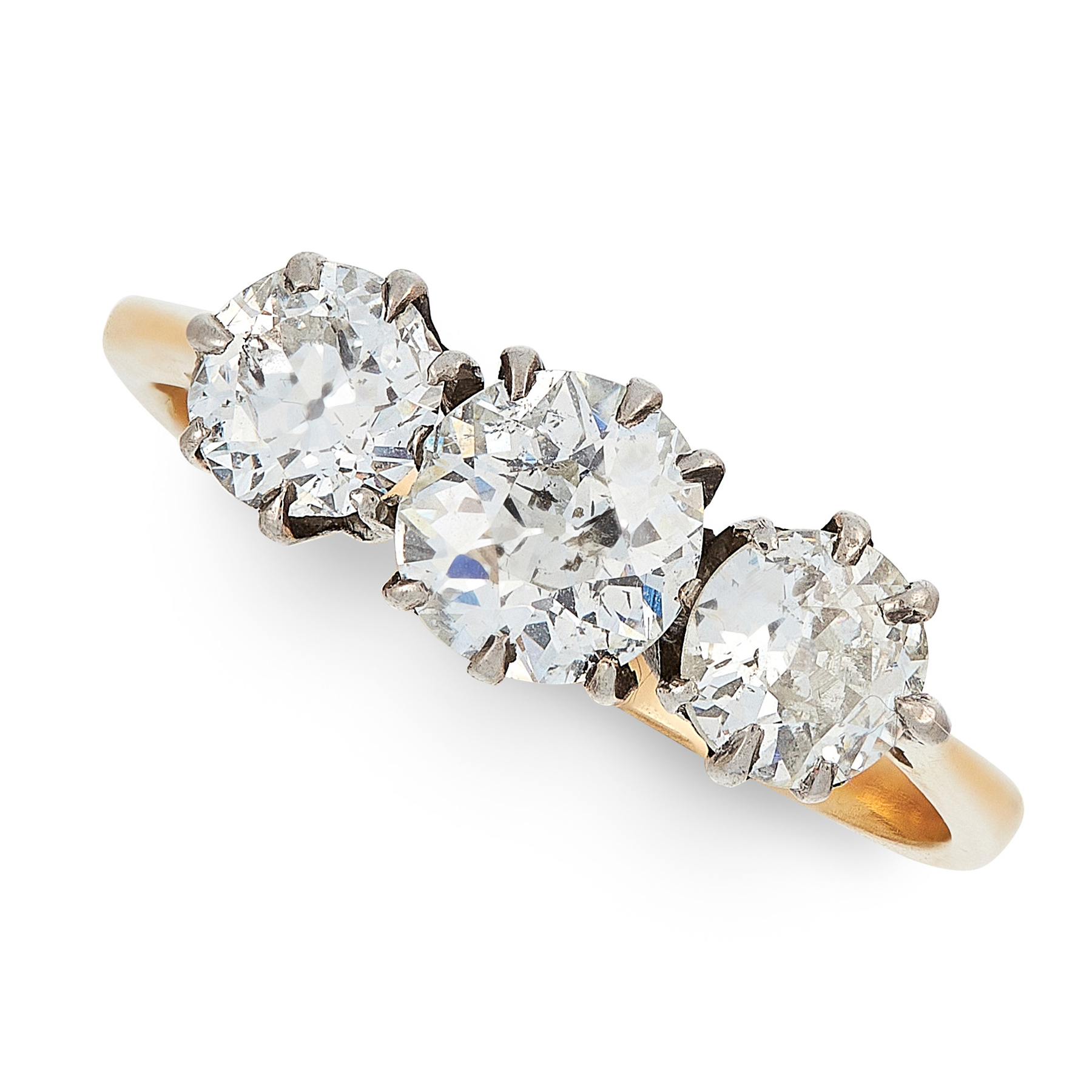 A DIAMOND THREE STONE RING, EARLY 20TH CENTURY in high carat yellow gold, set with a trio of old cut