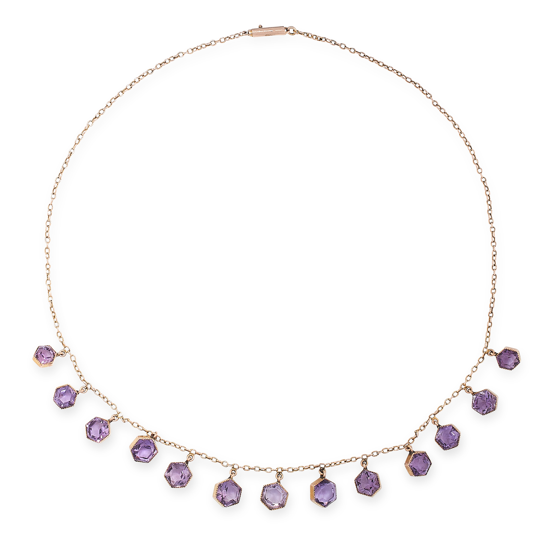 AN ANTIQUE AMETHYST NECKLACE, EARLY 20TH CENTURY in yellow gold, formed of a single row of