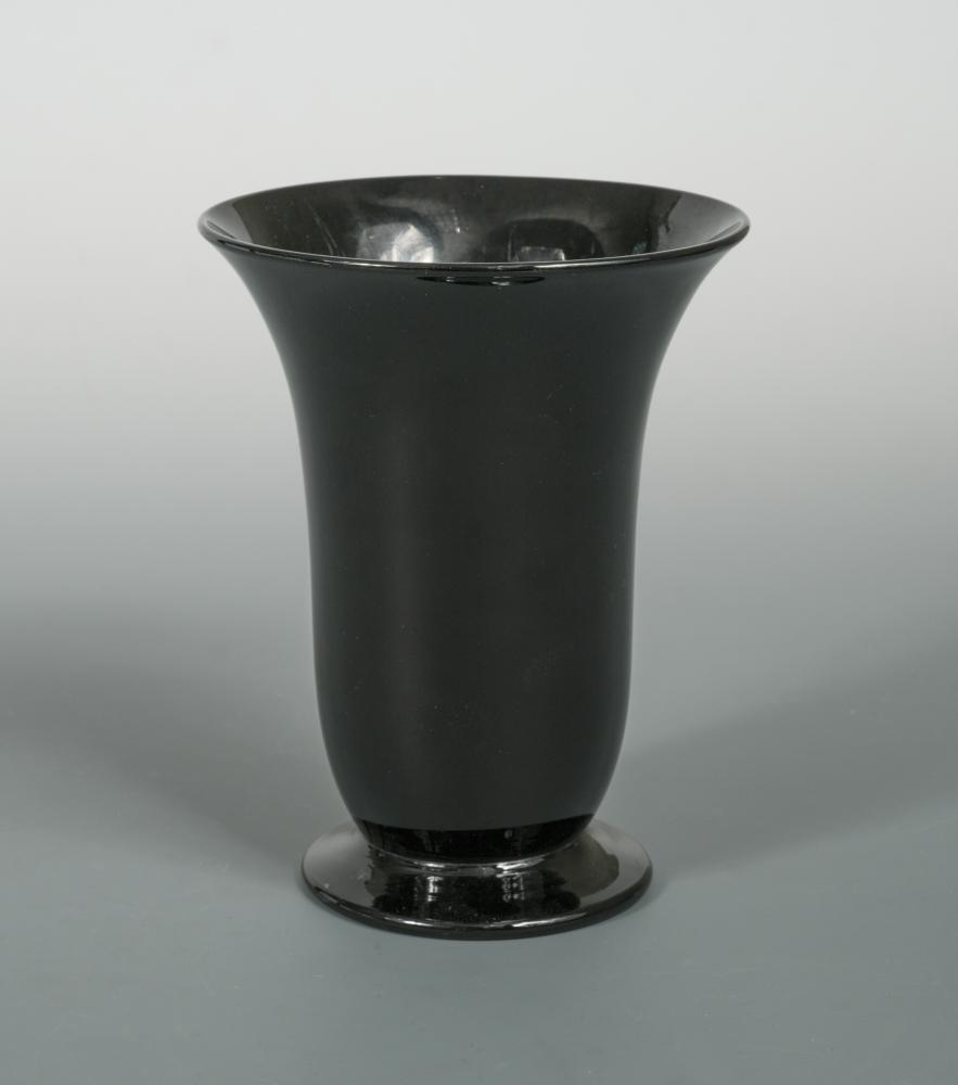 Lot 3 - A Gray-Stan amethyst glass vase, of flared cylindrical form to a spreading circular foot, etched