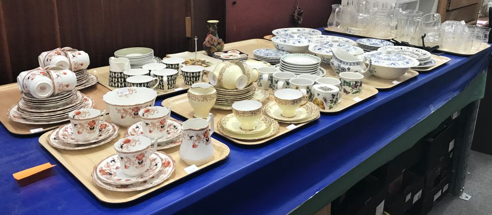 Lot 1177 - 12 Trays of crockery and glass to include Royal Standard ...