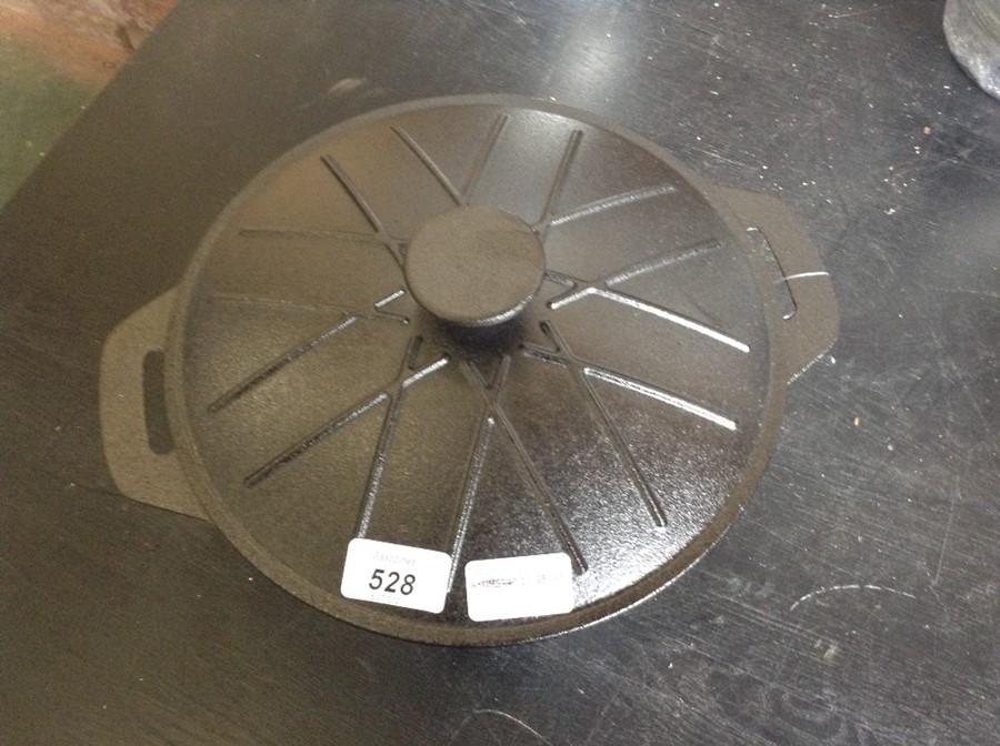 VonShef,4.7 L Cast Iron Round Casserole RRP -£34.9
