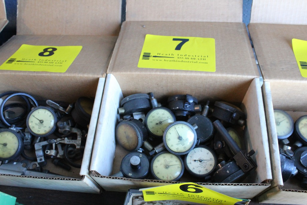 Lot 7 - ASSORTED DIAL INDICATOR GAGES IN BOX