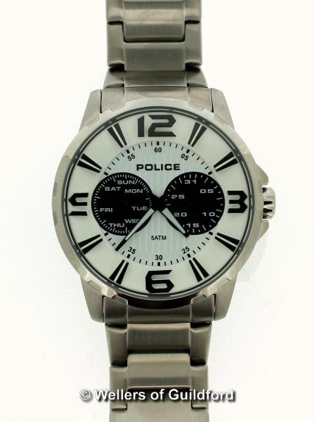 Lot 5040 - *Gentlemen's Police stainless steel wristwatch, circular white dial with two black subsidiary dials,