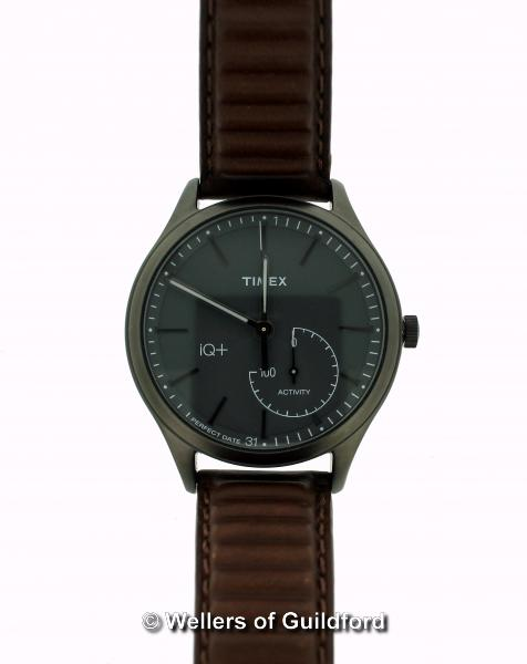 Lot 5029 - *Gentlemen's Timex iQ+ wristwatch, circular grey dial, with baton hour markers and subsidiary