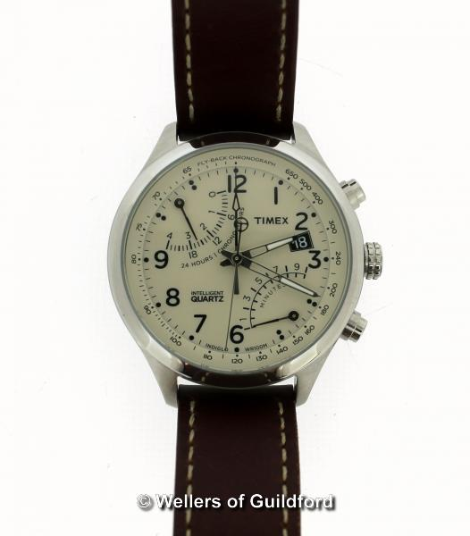Lot 5038 - *Gentlemen's Timex wristwatch, circular cream dial with Arabic numerals, date aperture and two