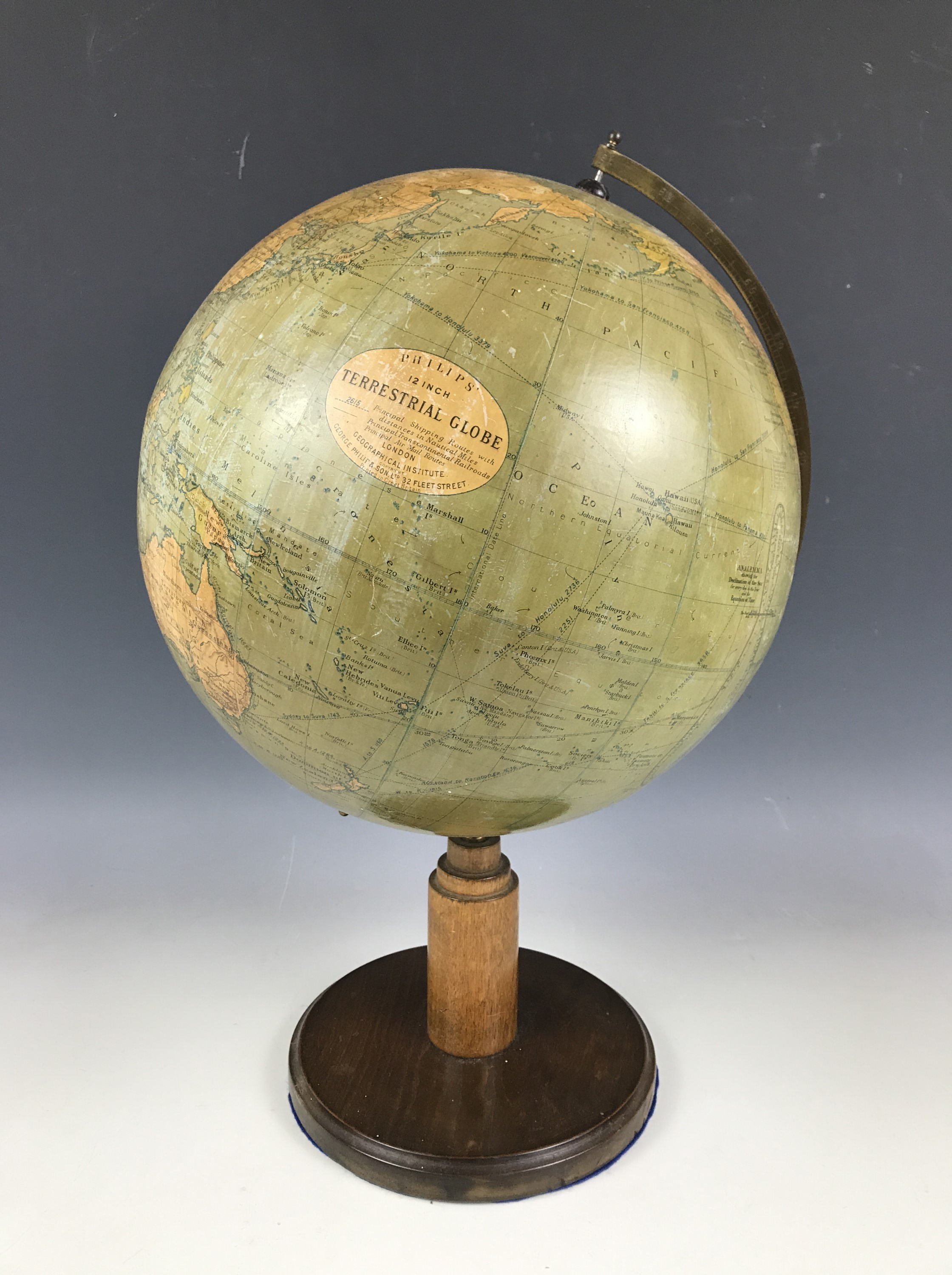Lot 29 - A 1930s Philips 12-inch terrestrial globe
