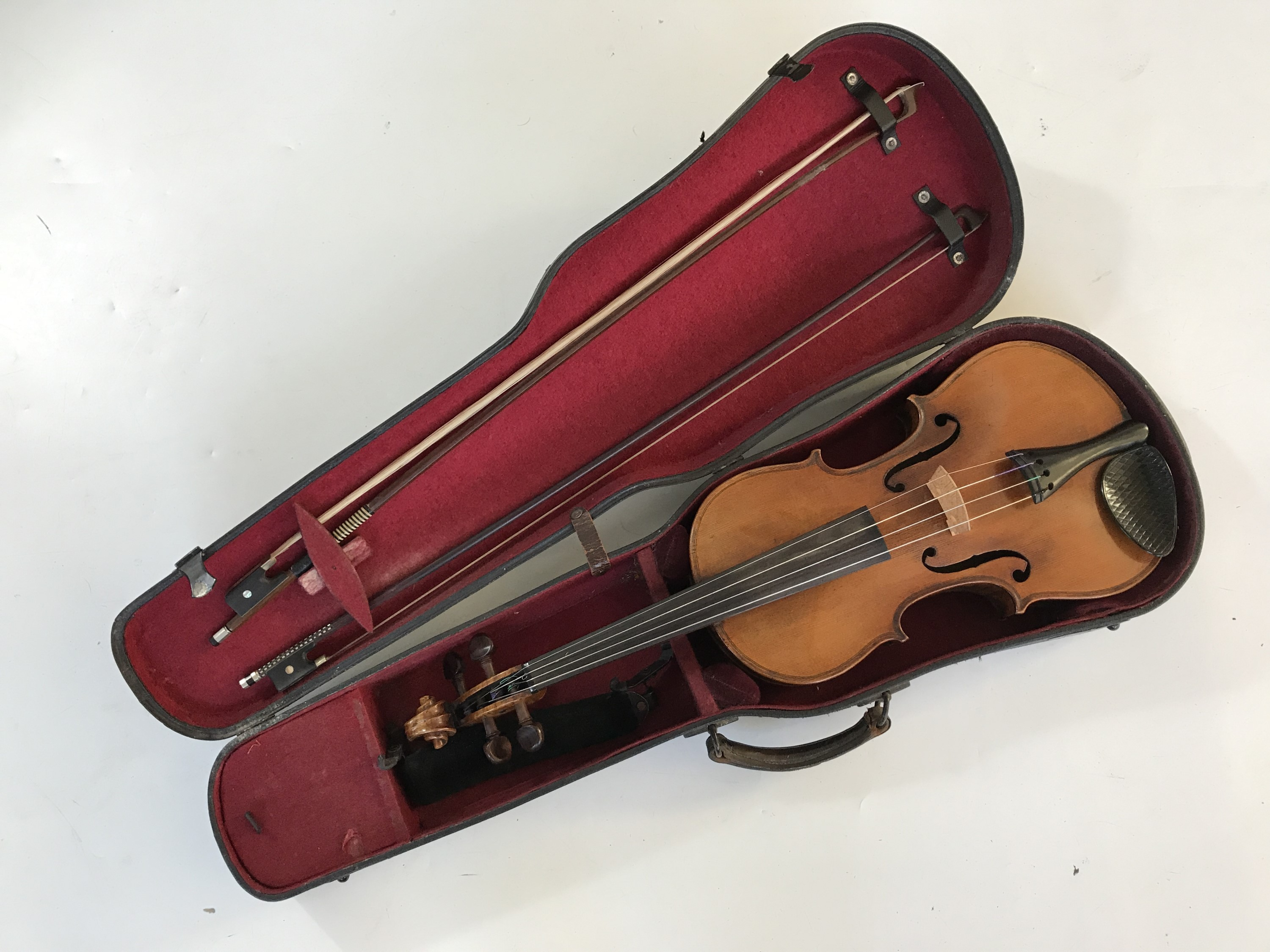 Lot 20 - [Violin / viola] An early 20th Century viola, of finely figured timber and having rosewood pegs, the