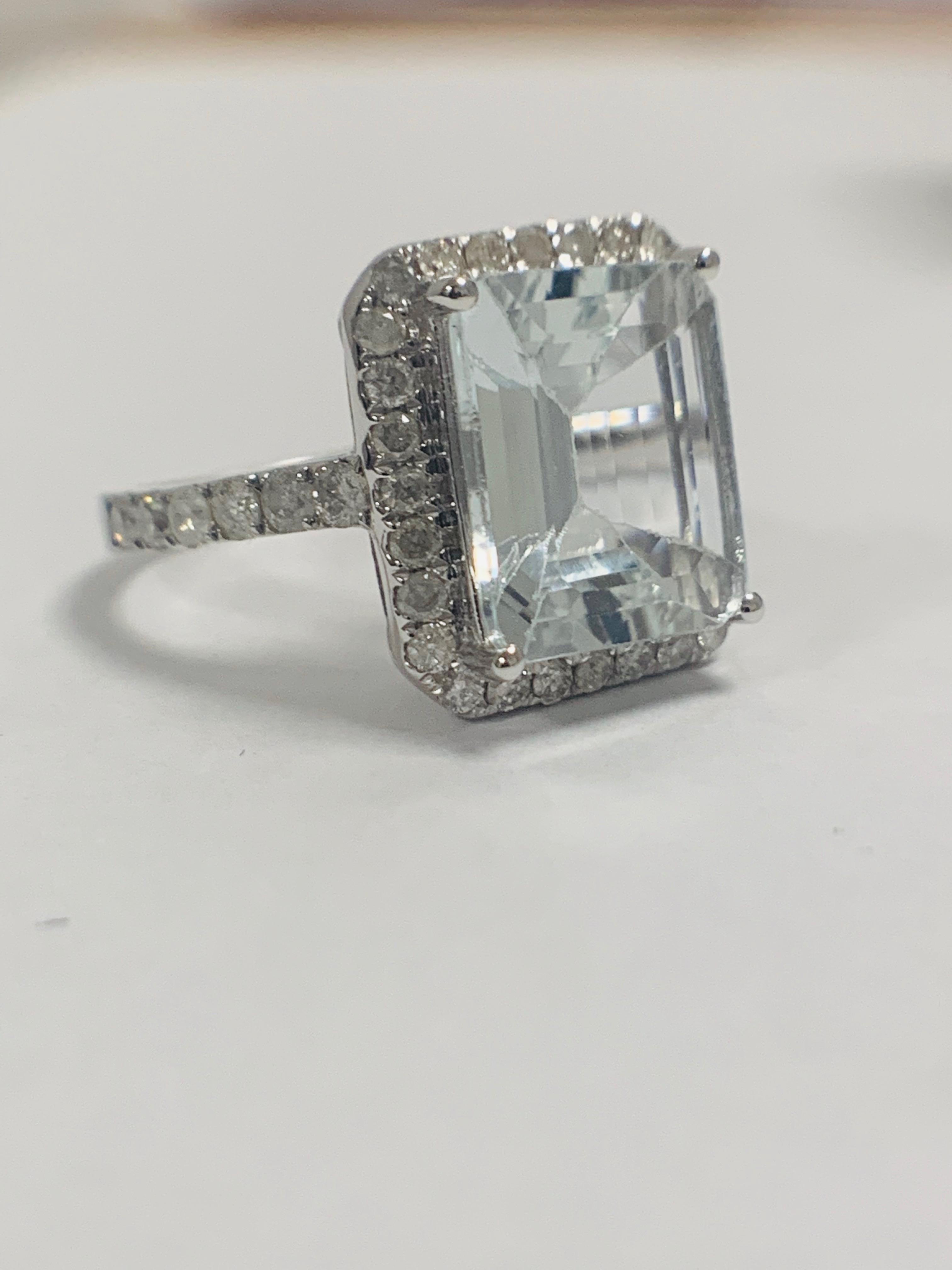 14ct White Gold Aquamarine and Diamond ring - Image 9 of 12