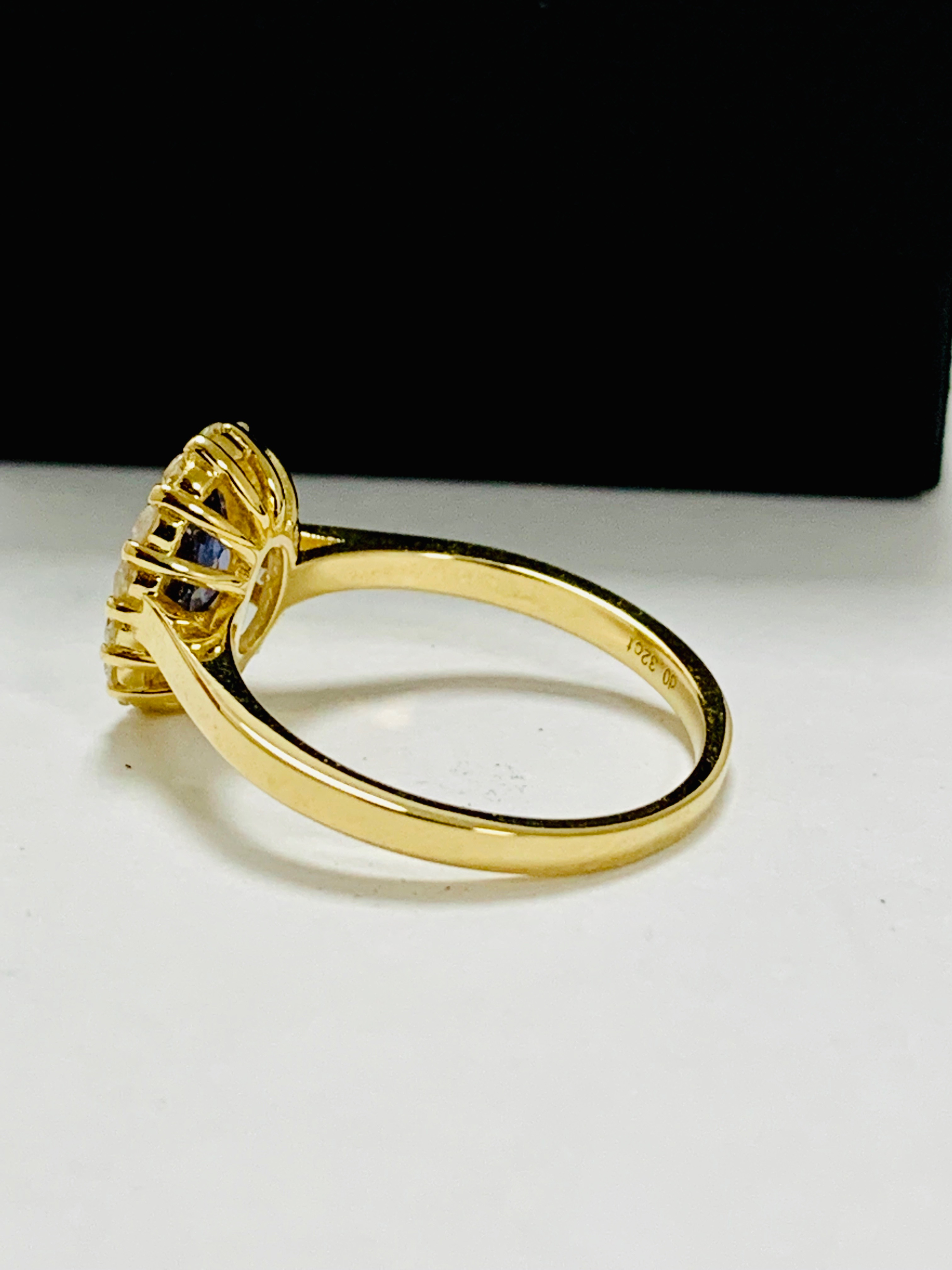 14ct yellow gold sapphire and diamond ring. - Image 4 of 11